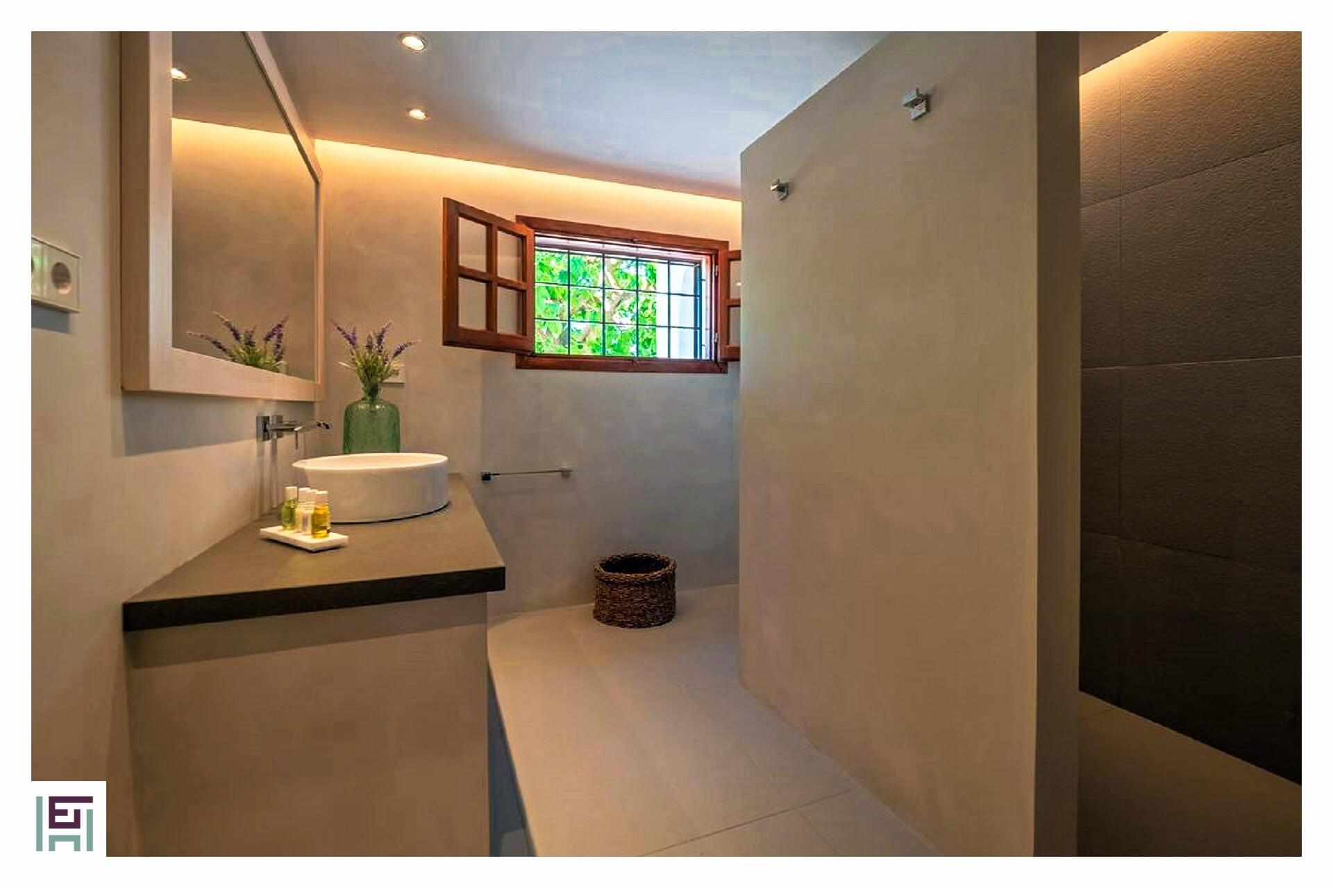 Finca C. Rosita - Bathroom ground floor with shower