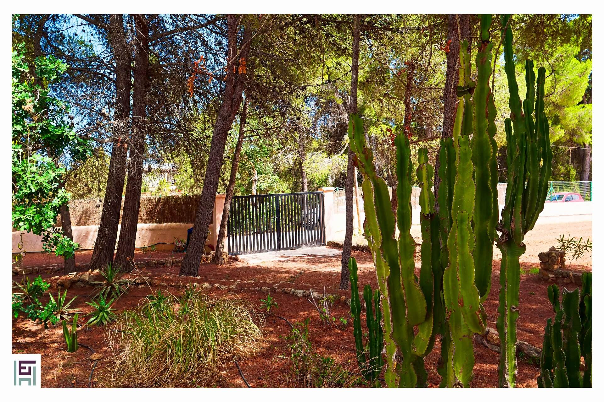 Finca C. Rosita - Garden with gate to the beach
