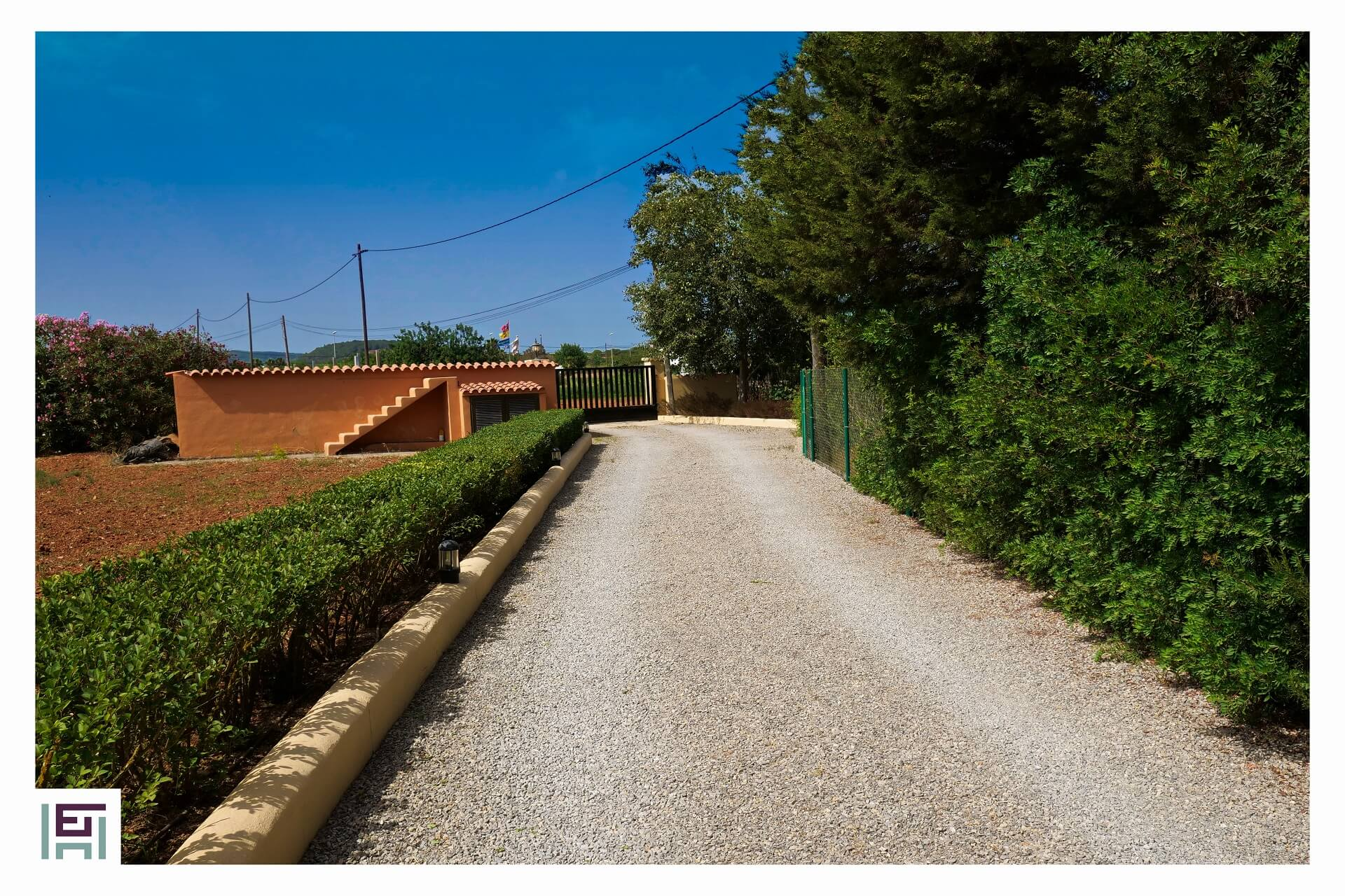 Finca C. Rosita - Access with electric gate