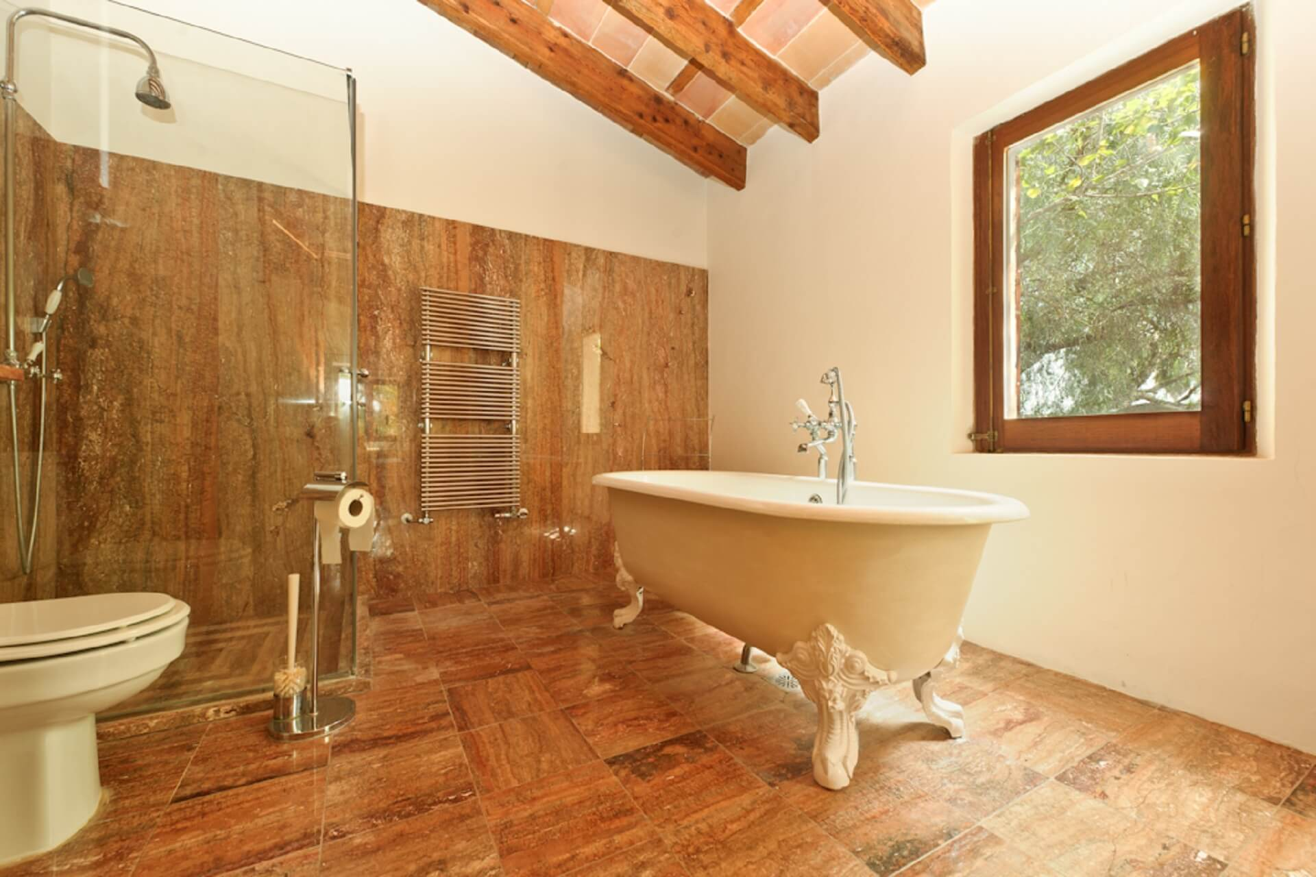 Finca Son Rito - Bathroom main house, first floor right