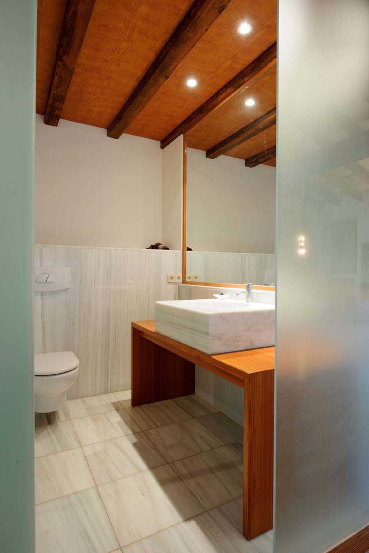 Finca Son Rito - Bathroom main house, first floor left