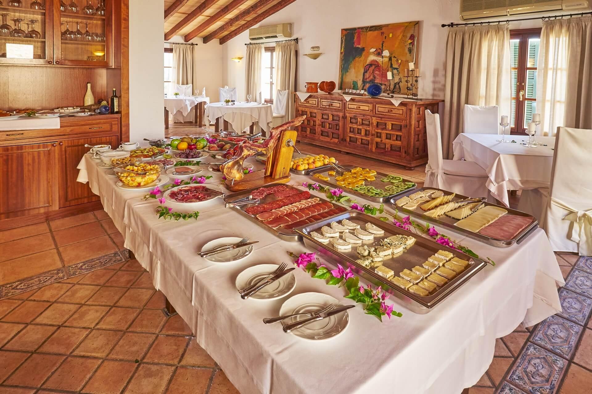 Hotel Finca Binibona - Breakfast buffet