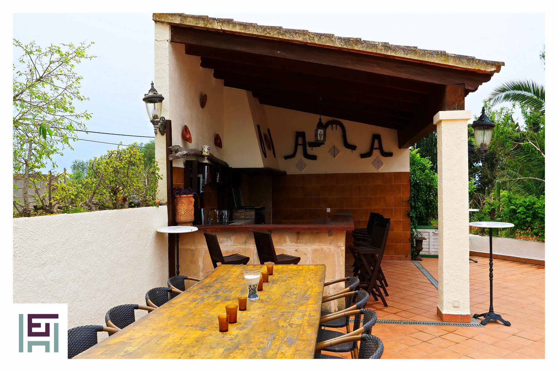 Finca Can Rotger - Pool with outdoor kitchen