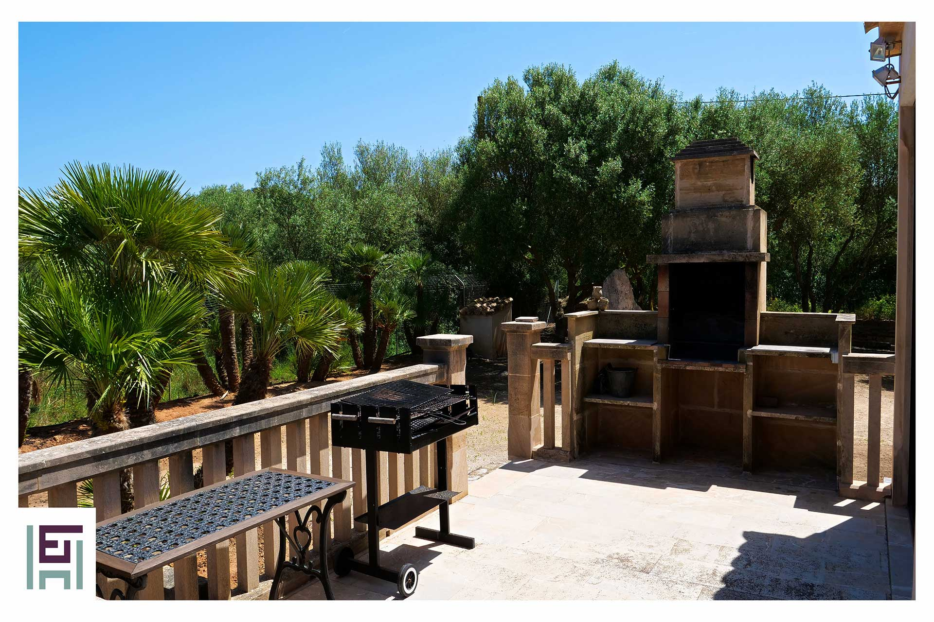 Finca Sa Pedrera - Terrasse BBQ-Bereich