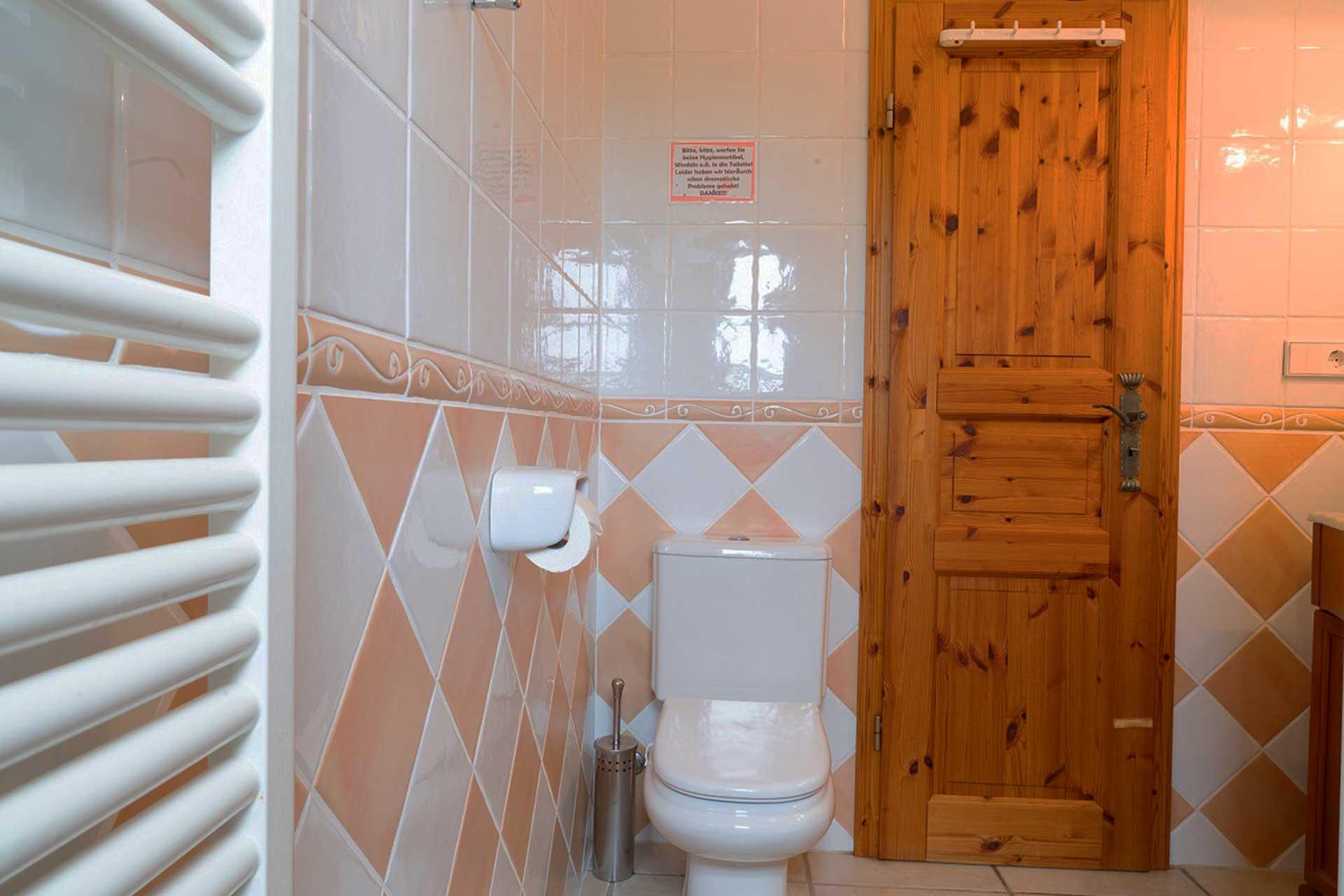 Finca C'an Murtera - Separate bathroom