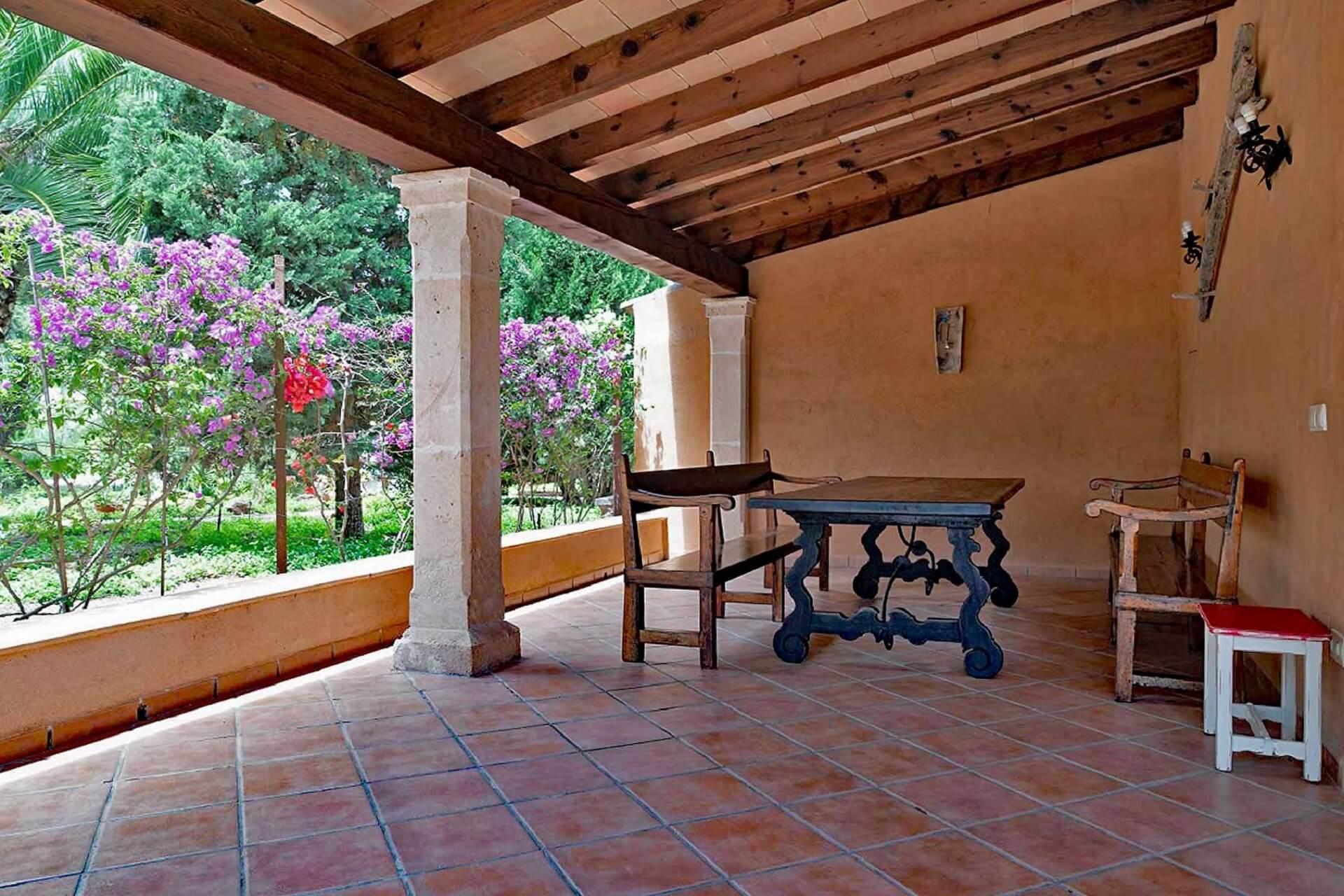 Finca C'an Murtera - Terrace nearby entrance