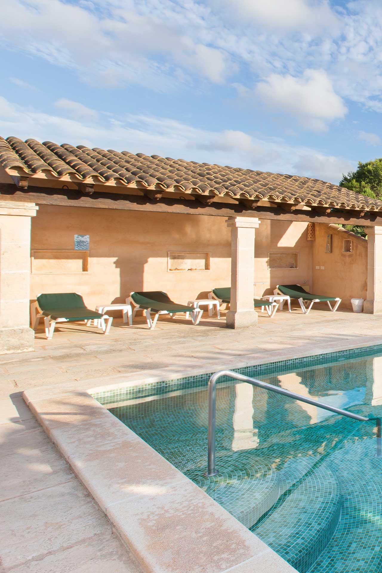 Finca C'an Murtera - Swimming pool with pool house