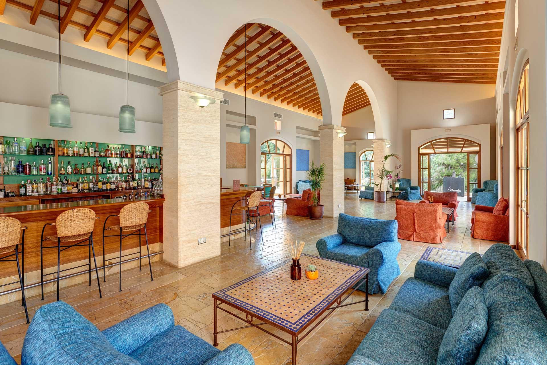 Finca-Hotel Sentido Pula Suites - Bistro Bar Es Falcó