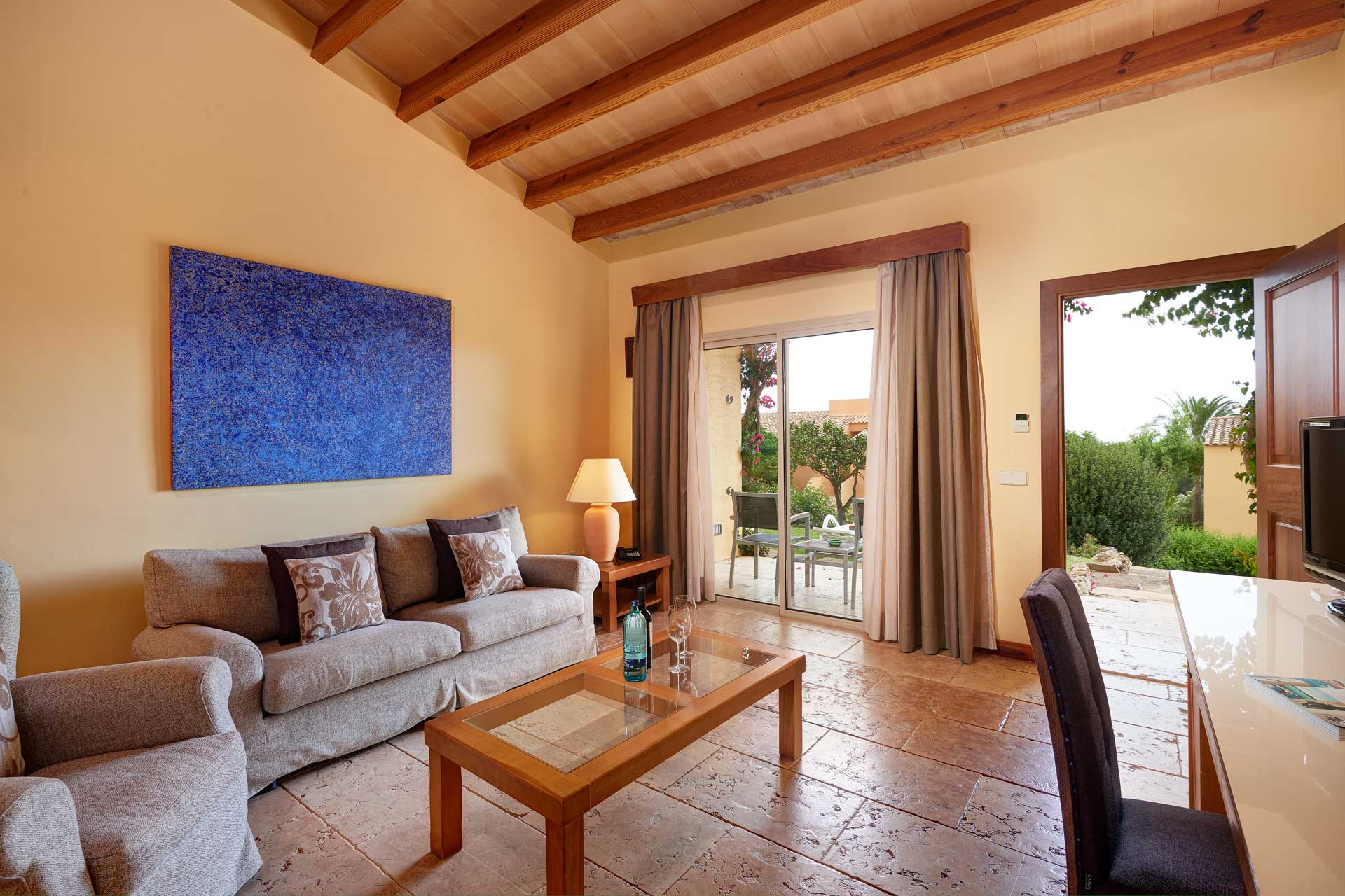 Finca-Hotel Sentido Pula Suites - Standard Suite living room