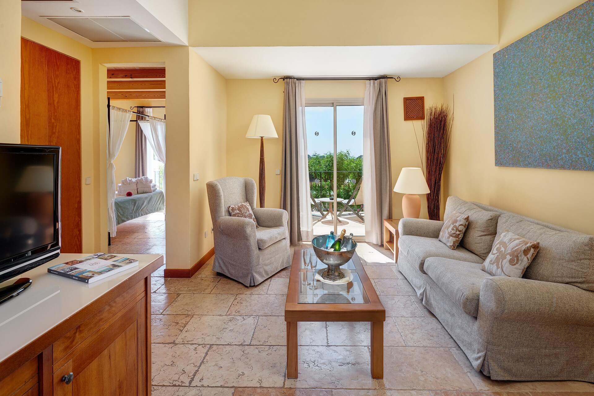 Finca-Hotel Sentido Pula Suites - Superior Suite living room
