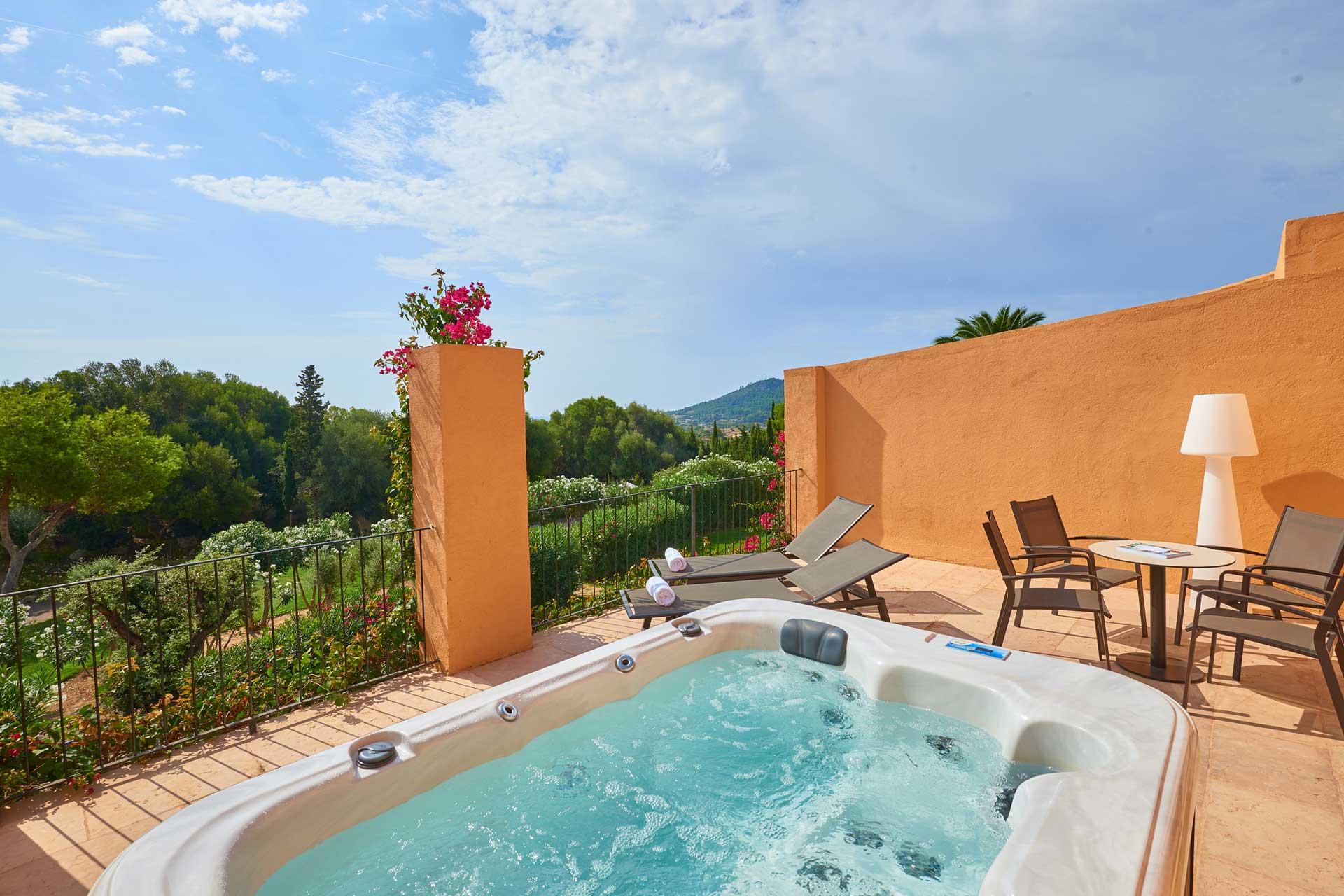 Finca-Hotel Sentido Pula Suites - Superior Suite de Luxe with jacuzzi
