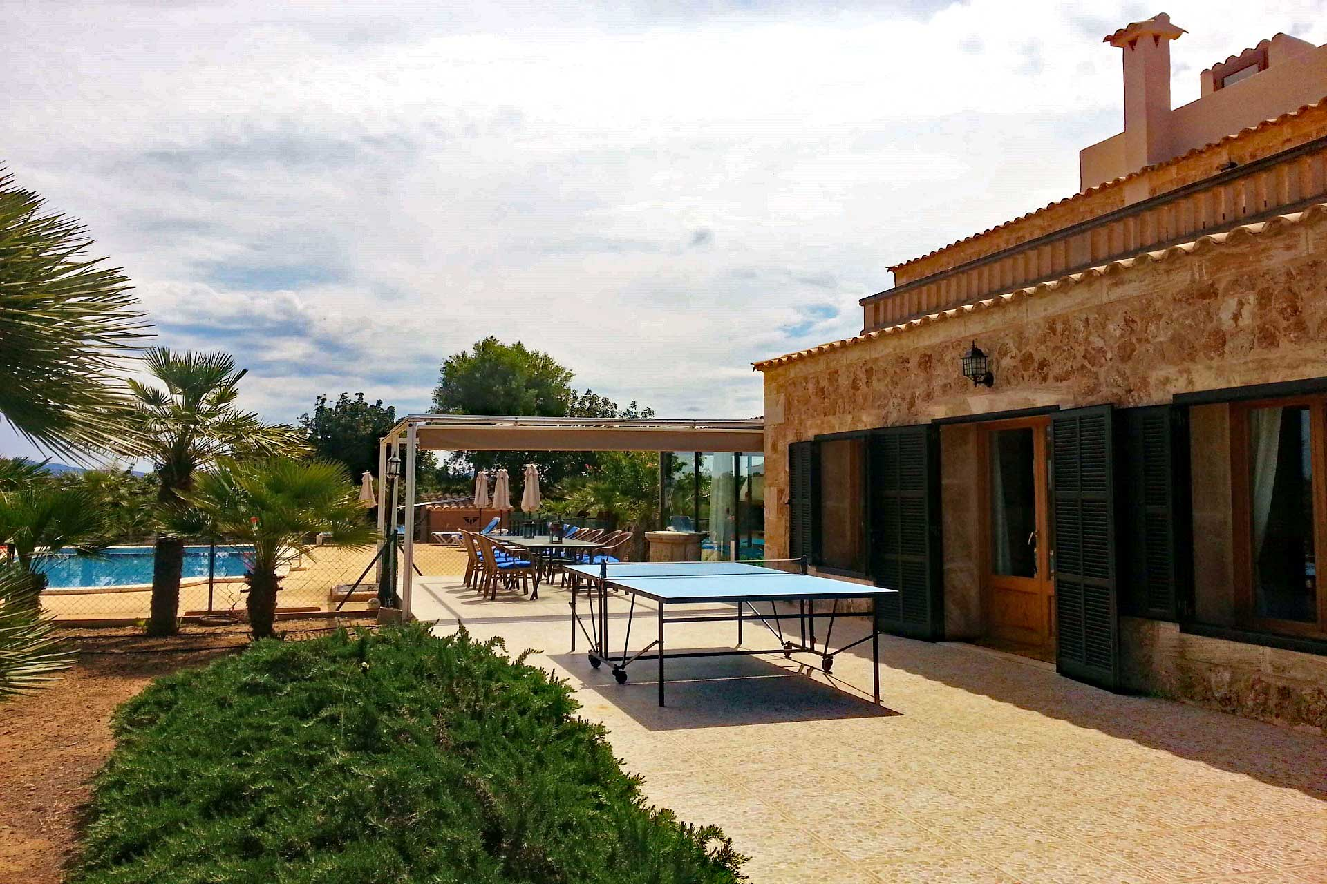 Finca Palmitos II - Terrace with ping pong