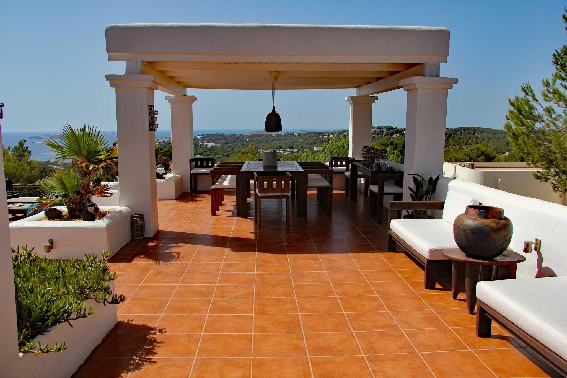 Villa Can Sankisha - Essbereich überdacht