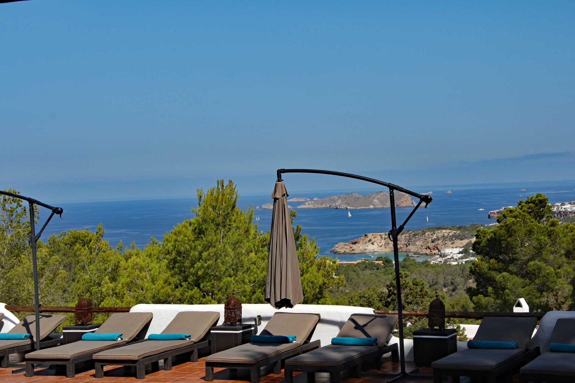 Villa Can Sankisha - Sonnenterrasse mit Aussicht auf das Meer