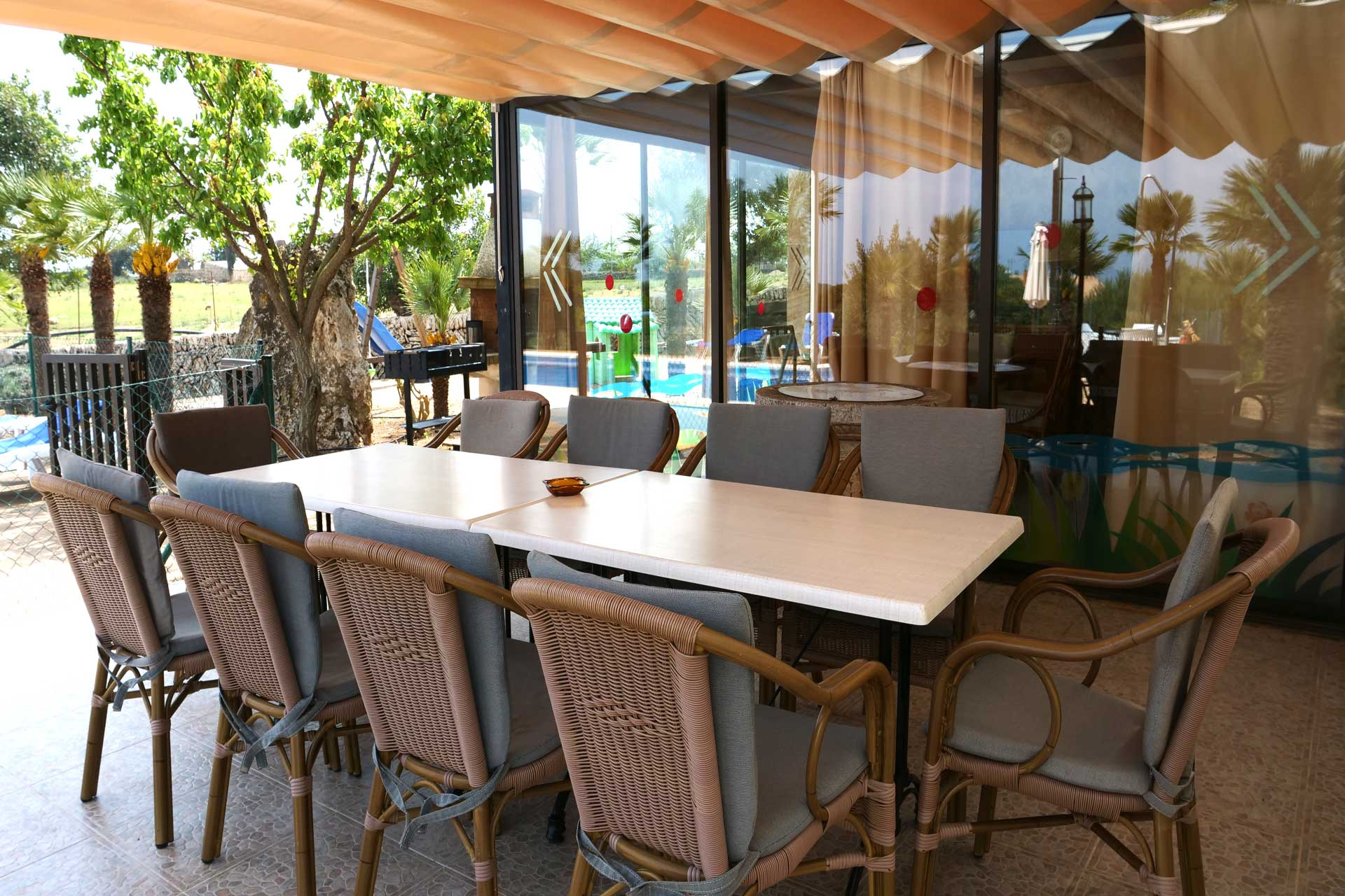 Finca Palmitos II - covered dining area