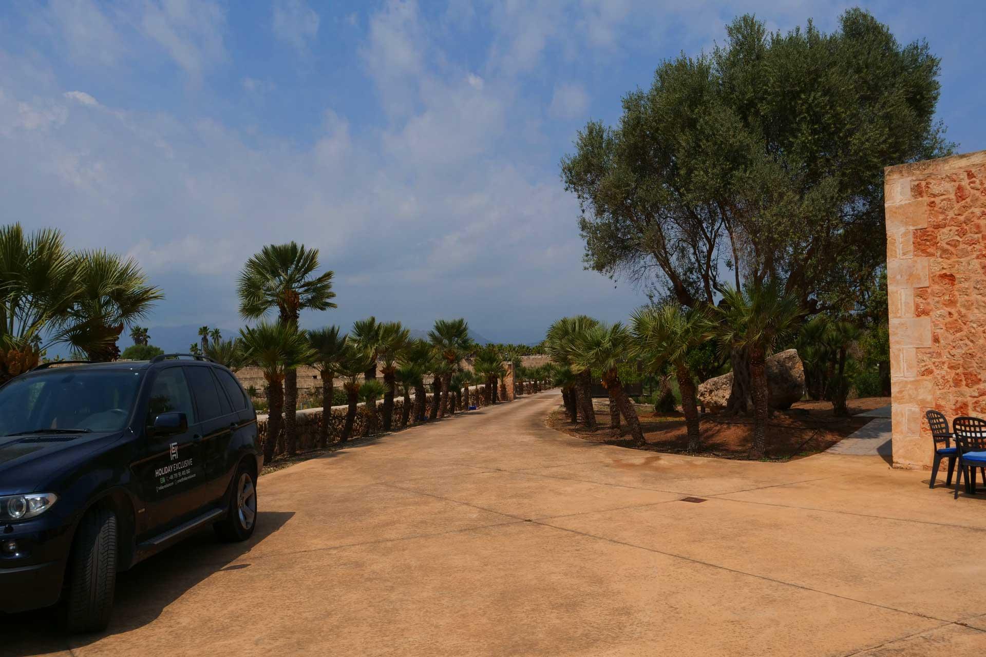 Finca Palmitos II - Parking place