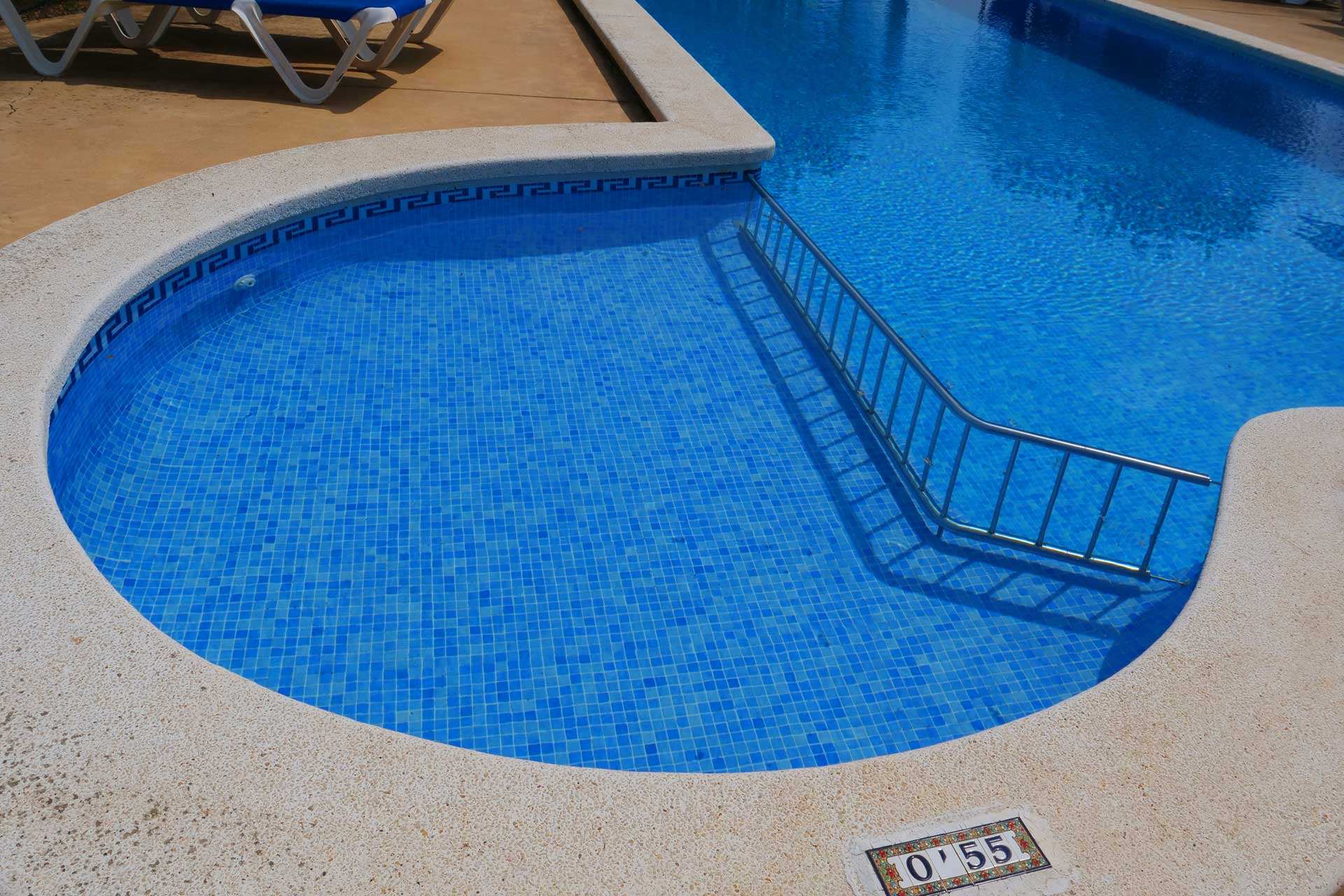 Finca Palmitos II - Swimming pool with children area