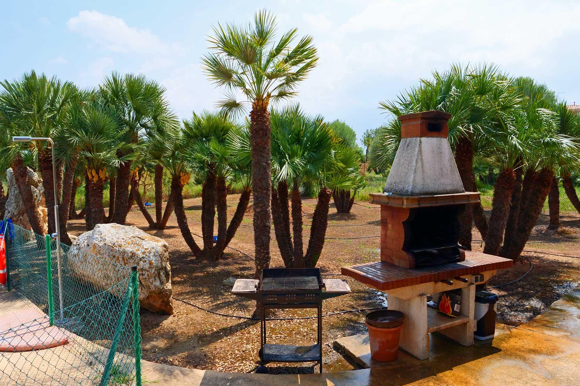 Finca Palmitos I - Garden and BBQ