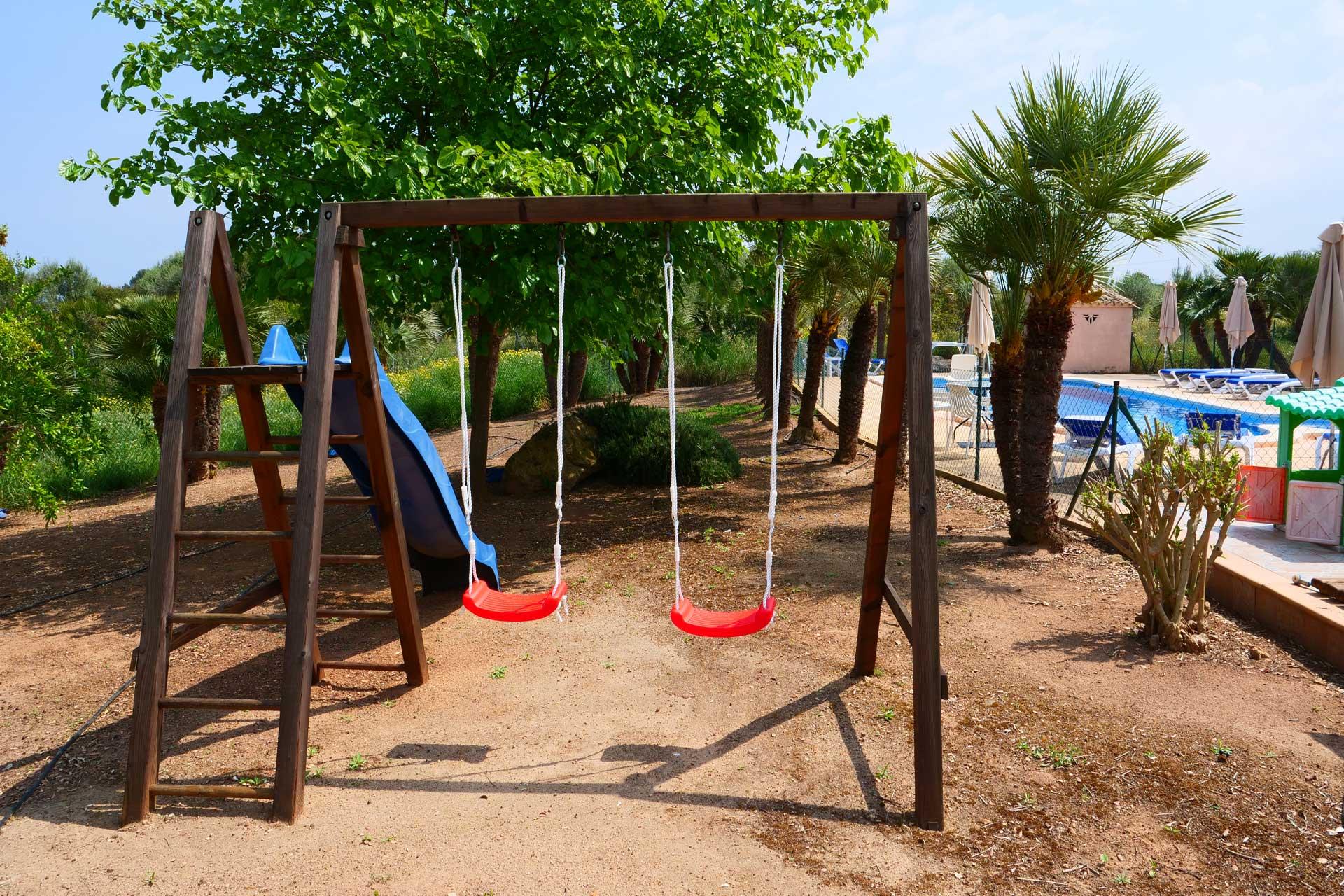 Finca Palmitos I - Children's playgound