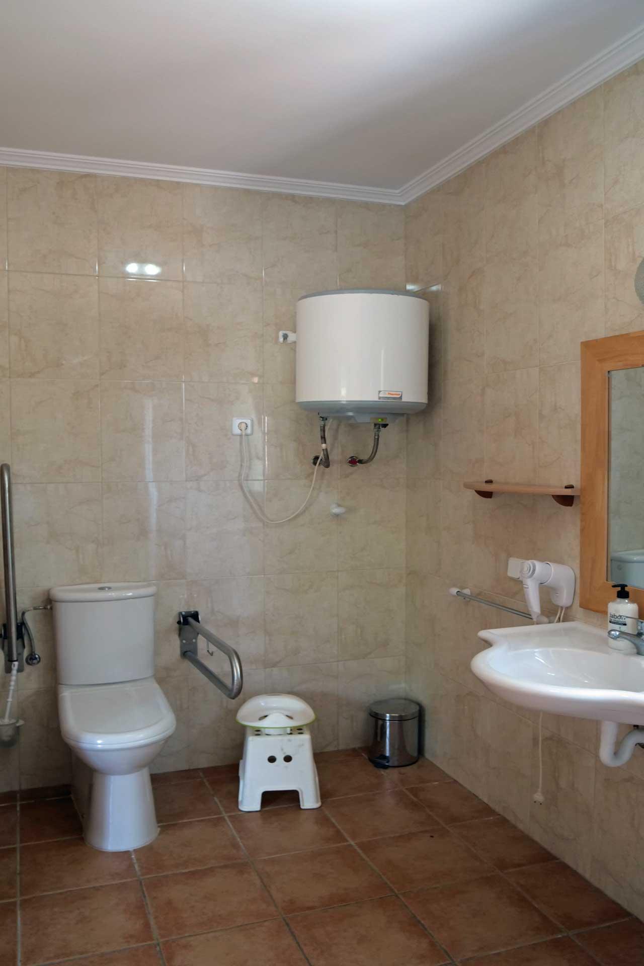 Finca Palmitos I - Bathroom ground floor