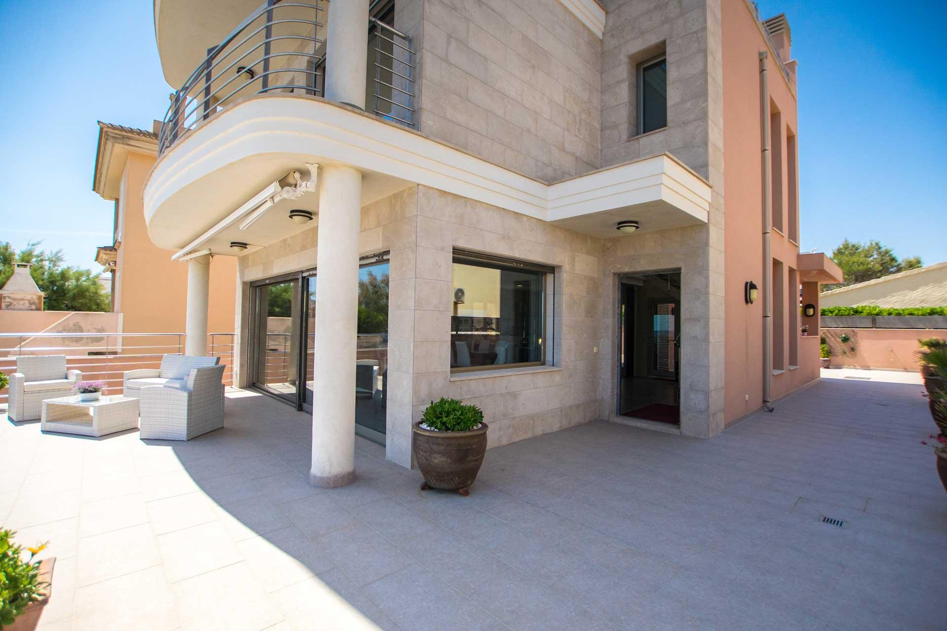 Villa Bohemi P. - Terrace in front of the house