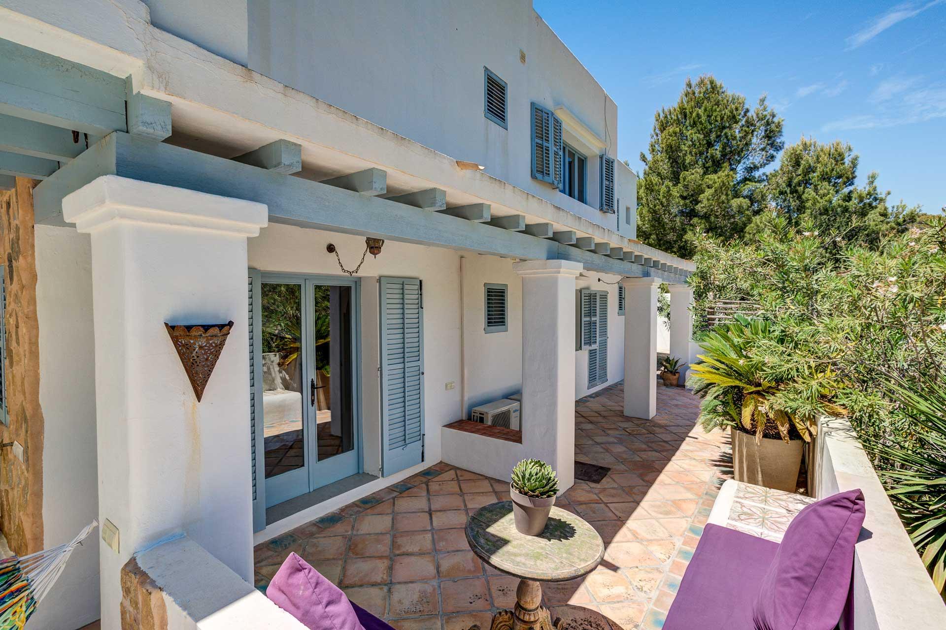 Villa Can Terra - Terrasse zu den Schlafzimmern