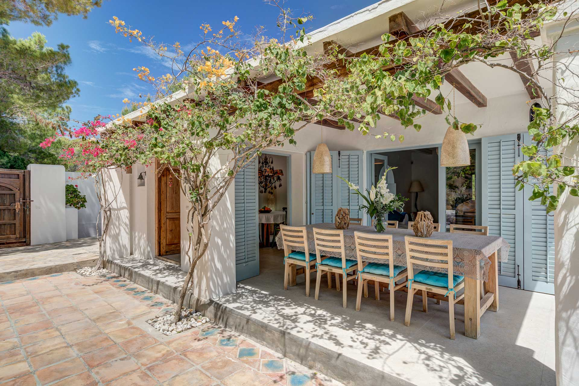 Villa Can Terra - Essbereich außen