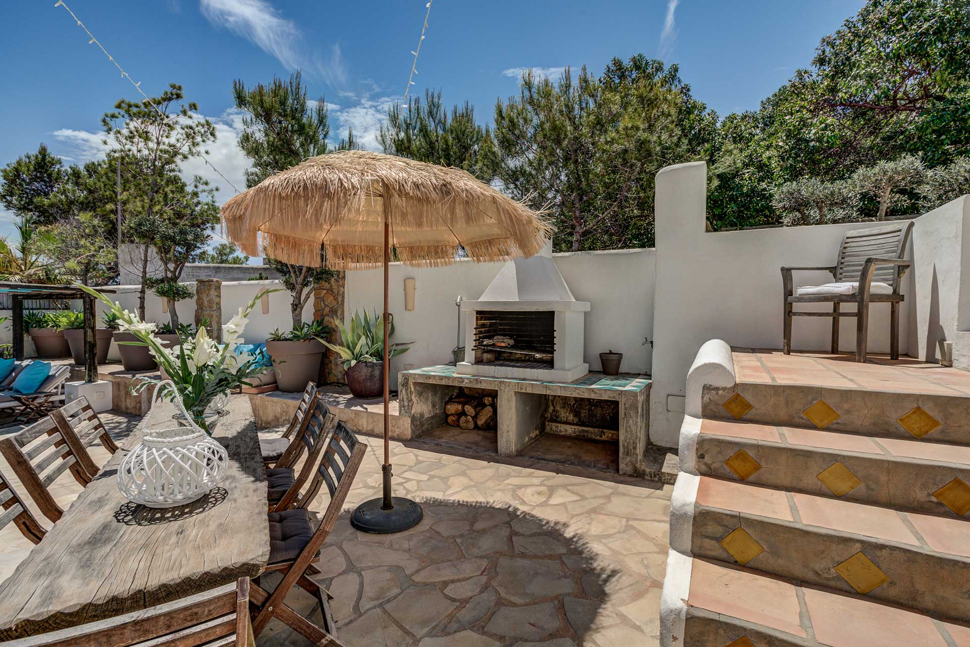 Villa Can Terra - Terrace with BBQ and tabele