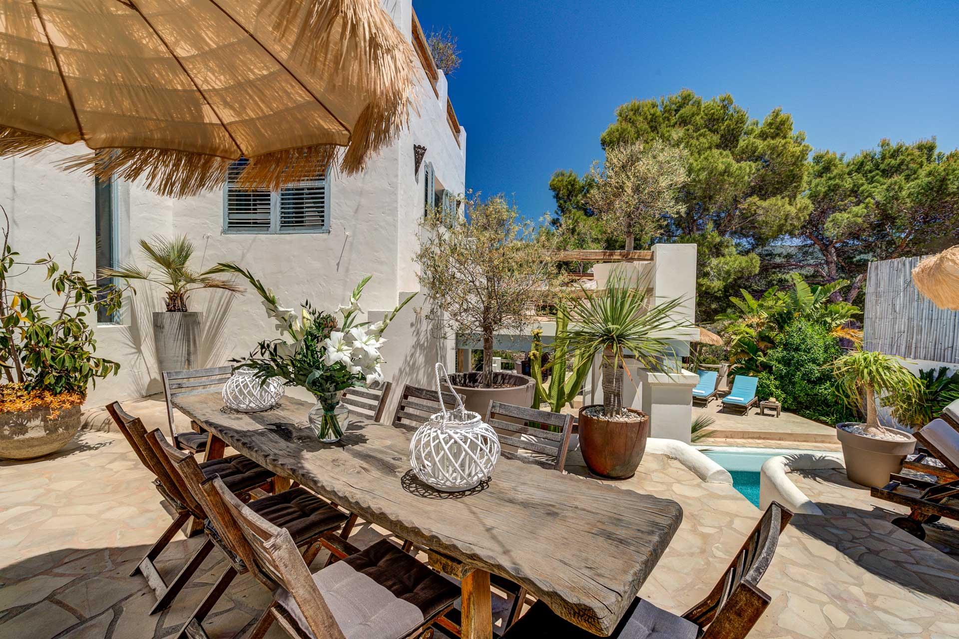 Villa Can Terra - Terrasse mit Grill und Essplatz