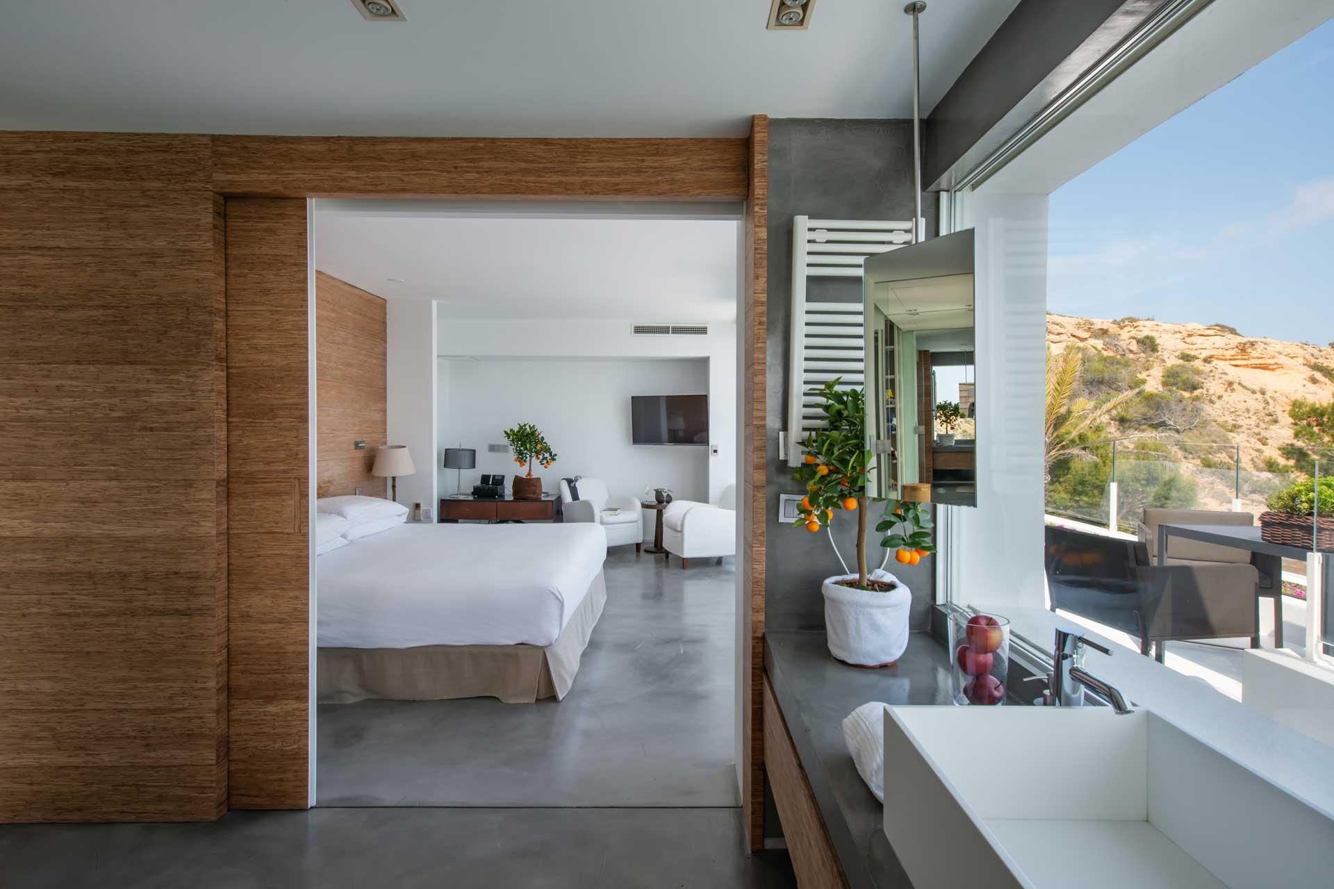 Villa Infinty Ibiza Vista Alegre - Master-Suite mit privater Terrasse