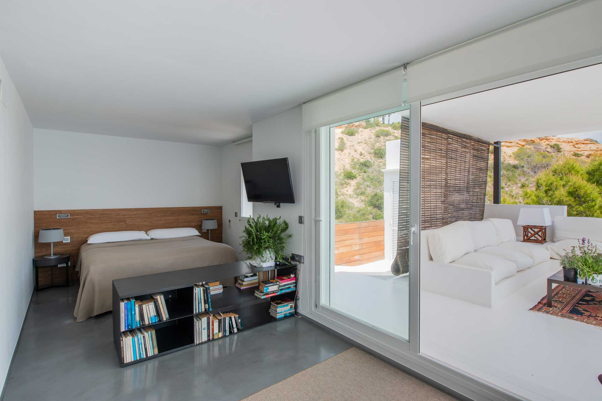 Villa Infinty Ibiza Vista Alegre - Bedroom upper floor to the sea