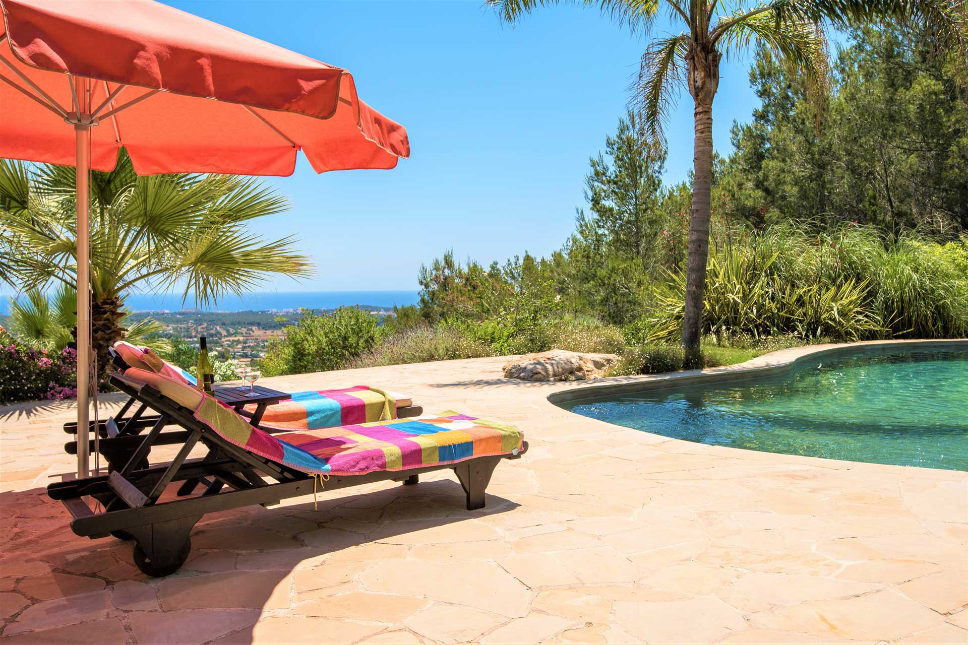 Villa K IBIZA - Swimmingpool mit Sonnenterrasse
