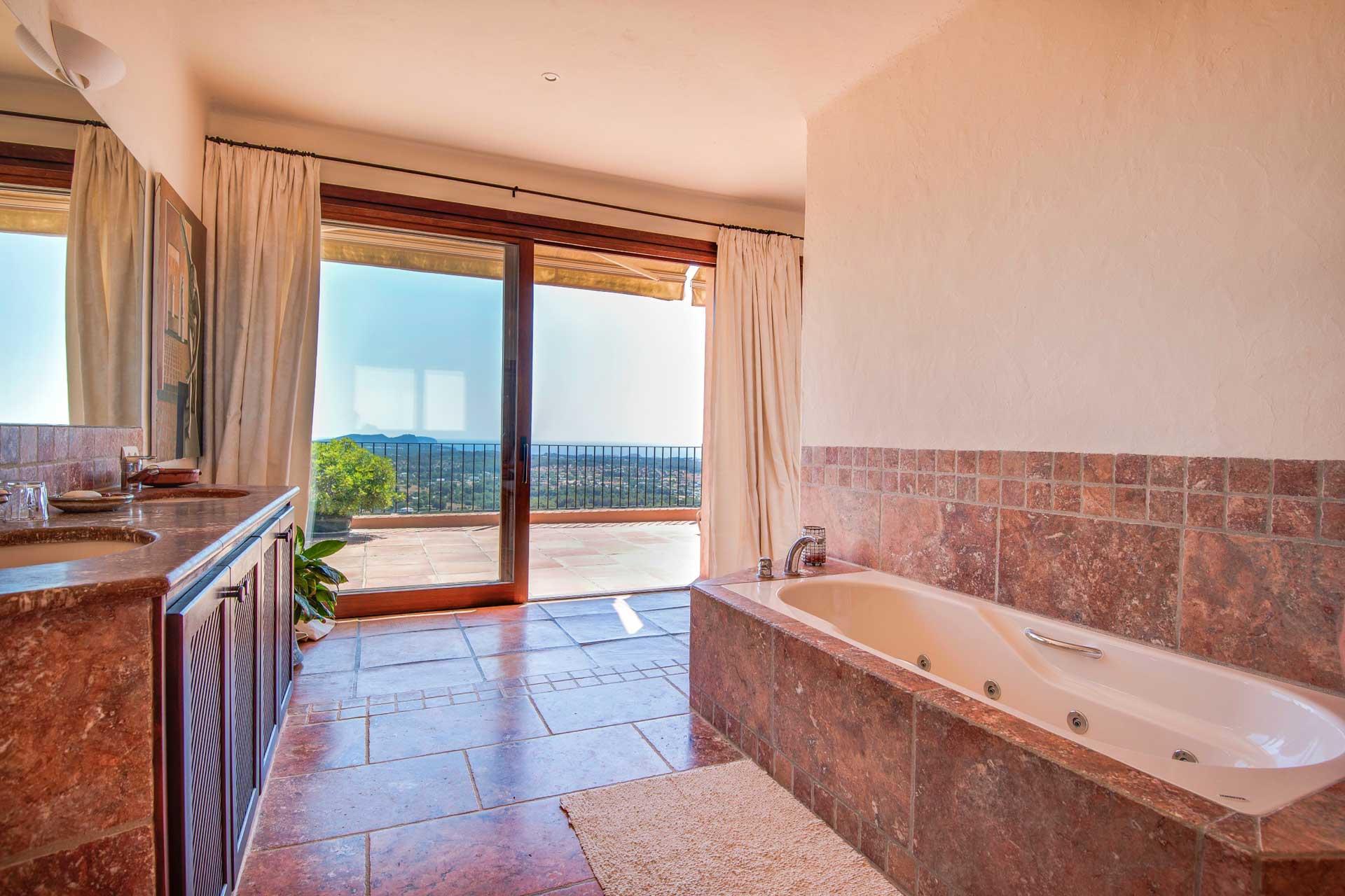 Villa K IBIZA - Master-Suite OG mittig mit privater Terrasse