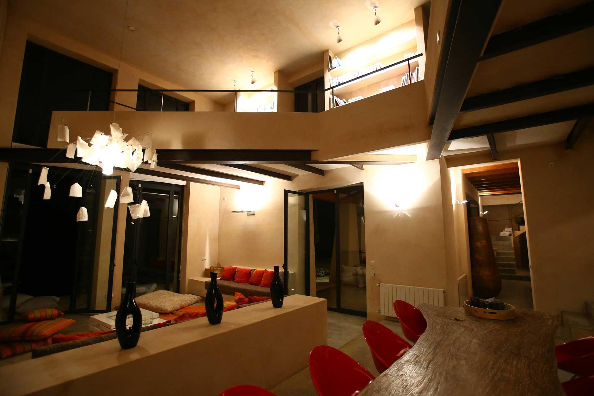 Villa Can Teresita Ibiza - Wohnbereich bei Nacht