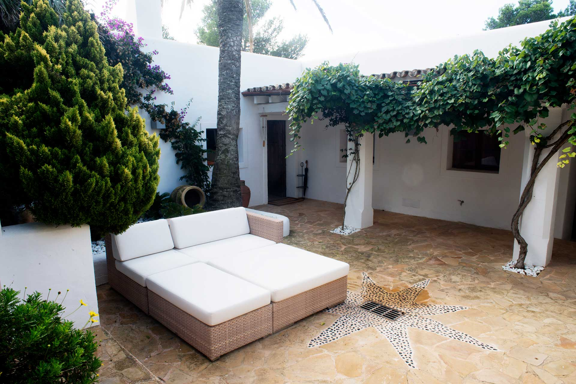 Can T. Ibiza  - Terrace guest house south-west