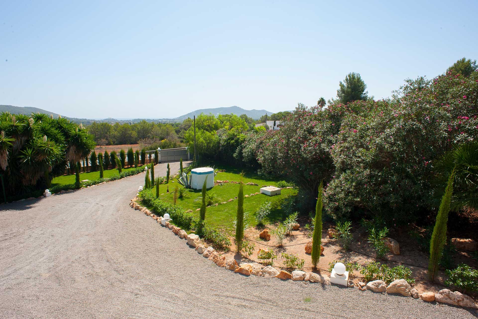 Finca Can Gall Ibiza - Courtyard