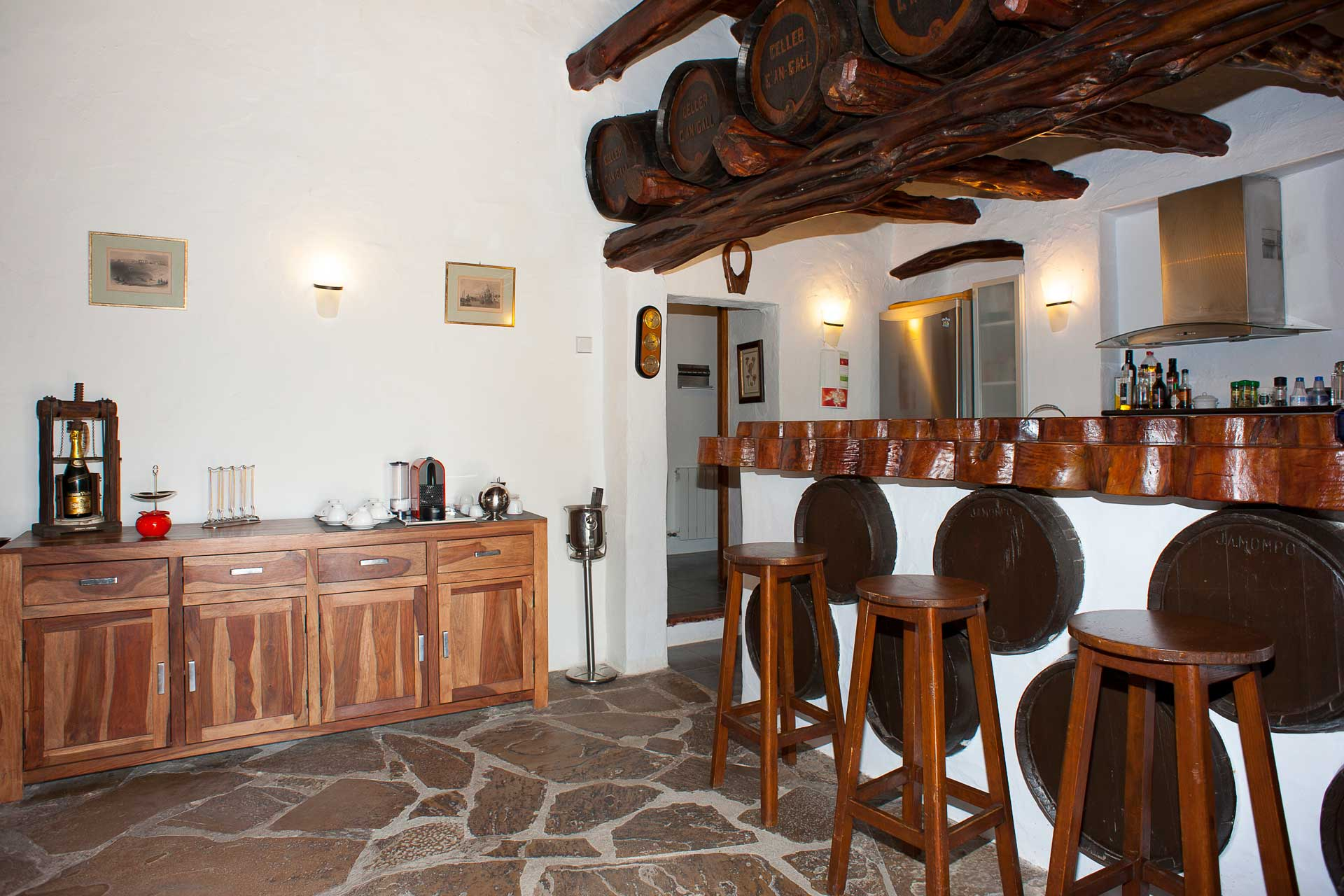 Finca Can Gall Ibiza - Kitchen and dining area