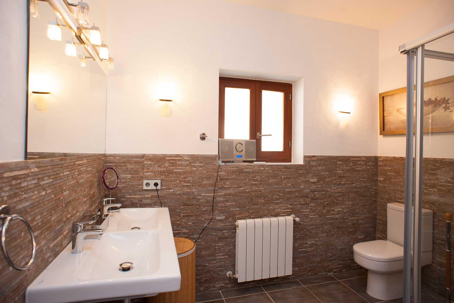 Finca Can Gall Ibiza - Bathroom