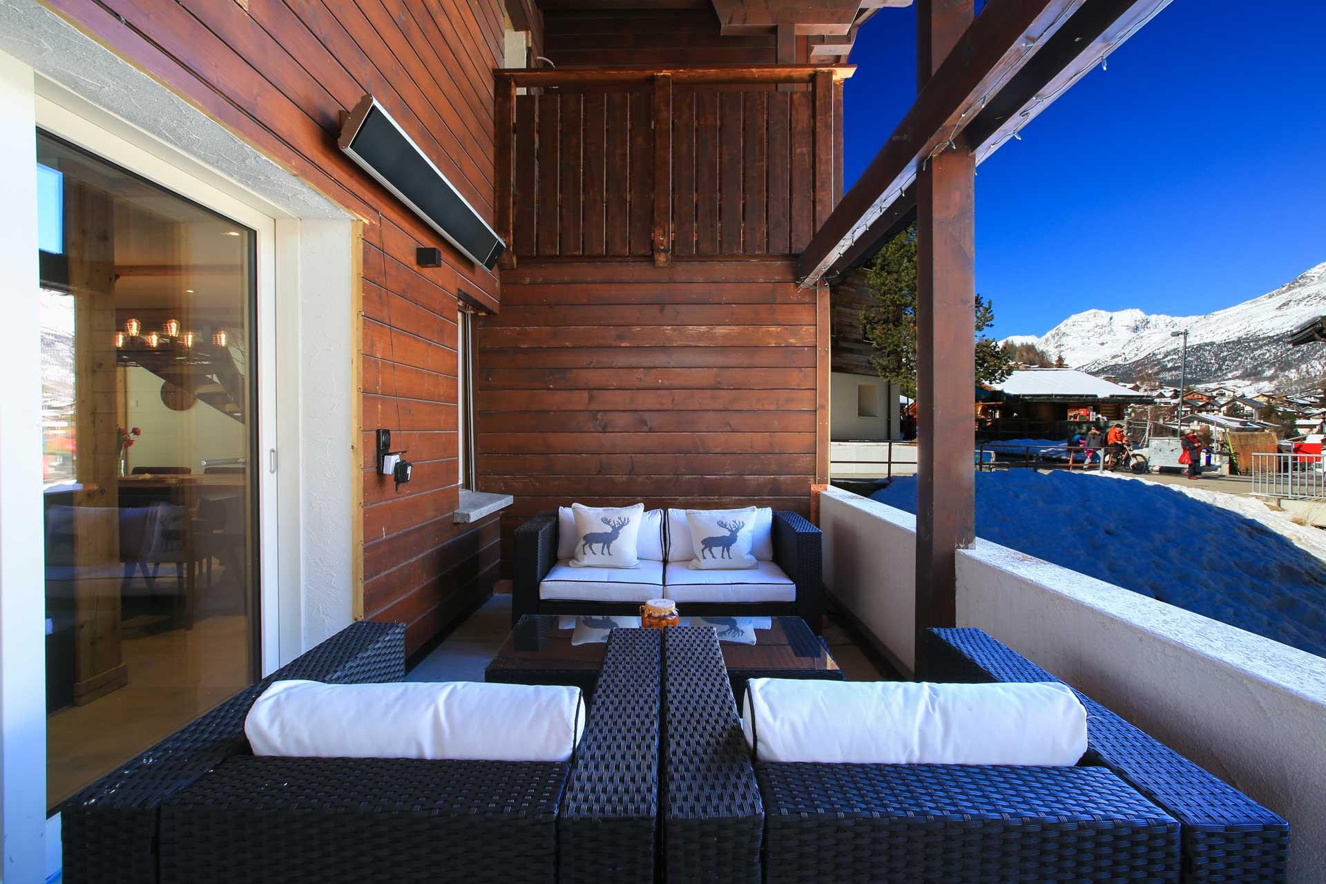 Luxus Appartement Chalet Khione Saas-Fee - Seitlicher Balkon