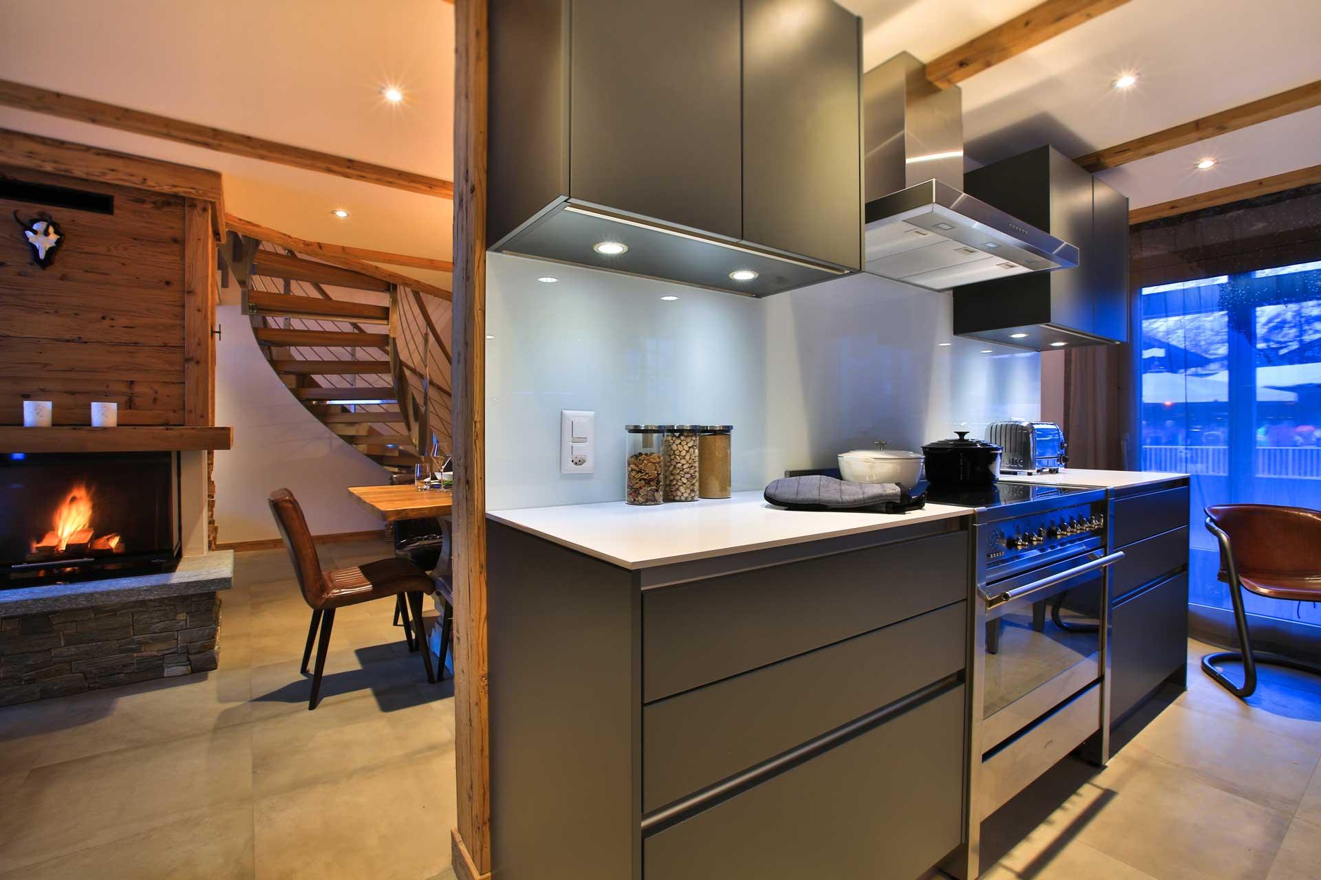 Luxus Appartement Chalet Khione Saas-Fee - Küche