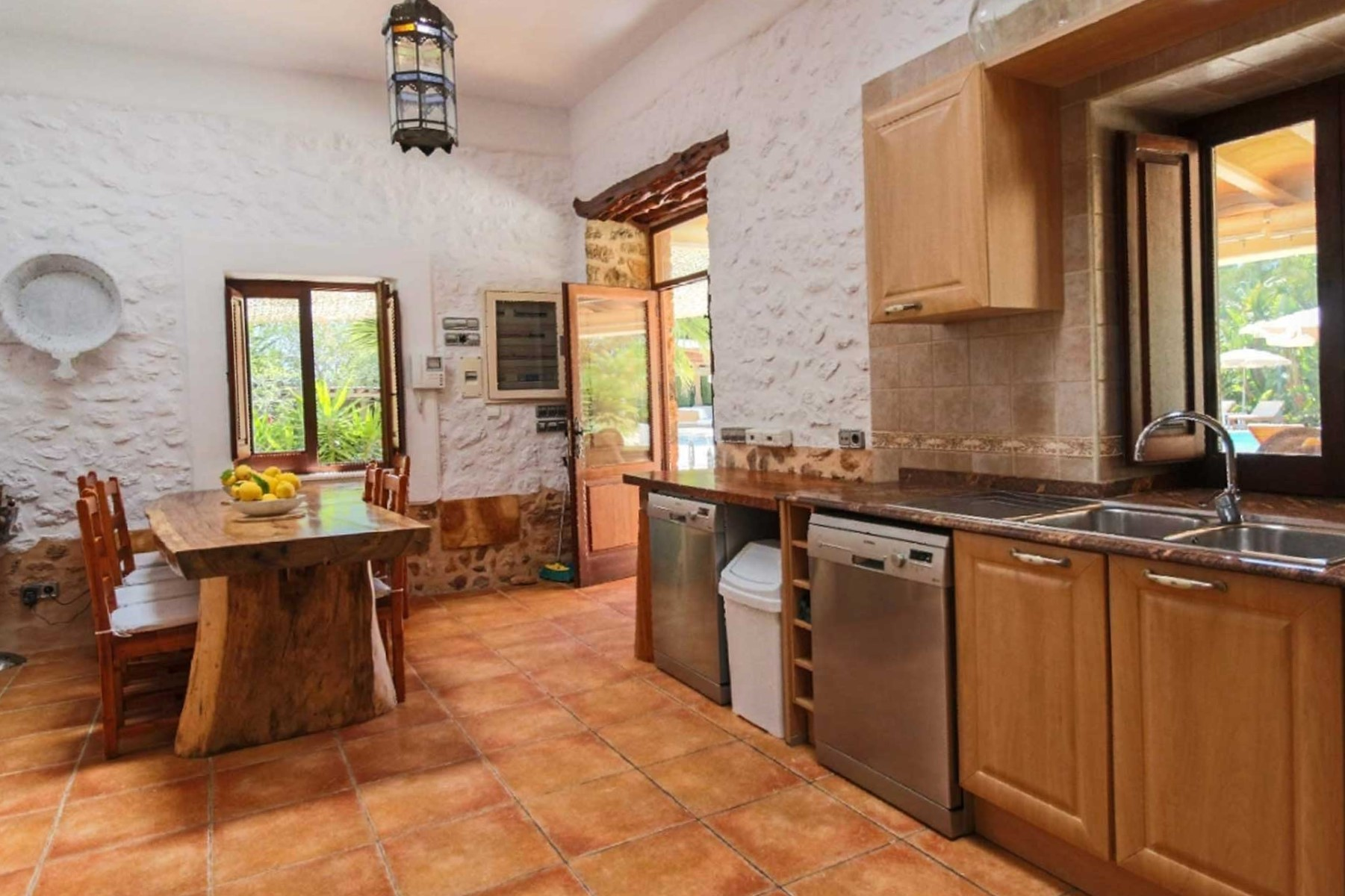 Finca Can C. Ibiza - Kitchen with dining area