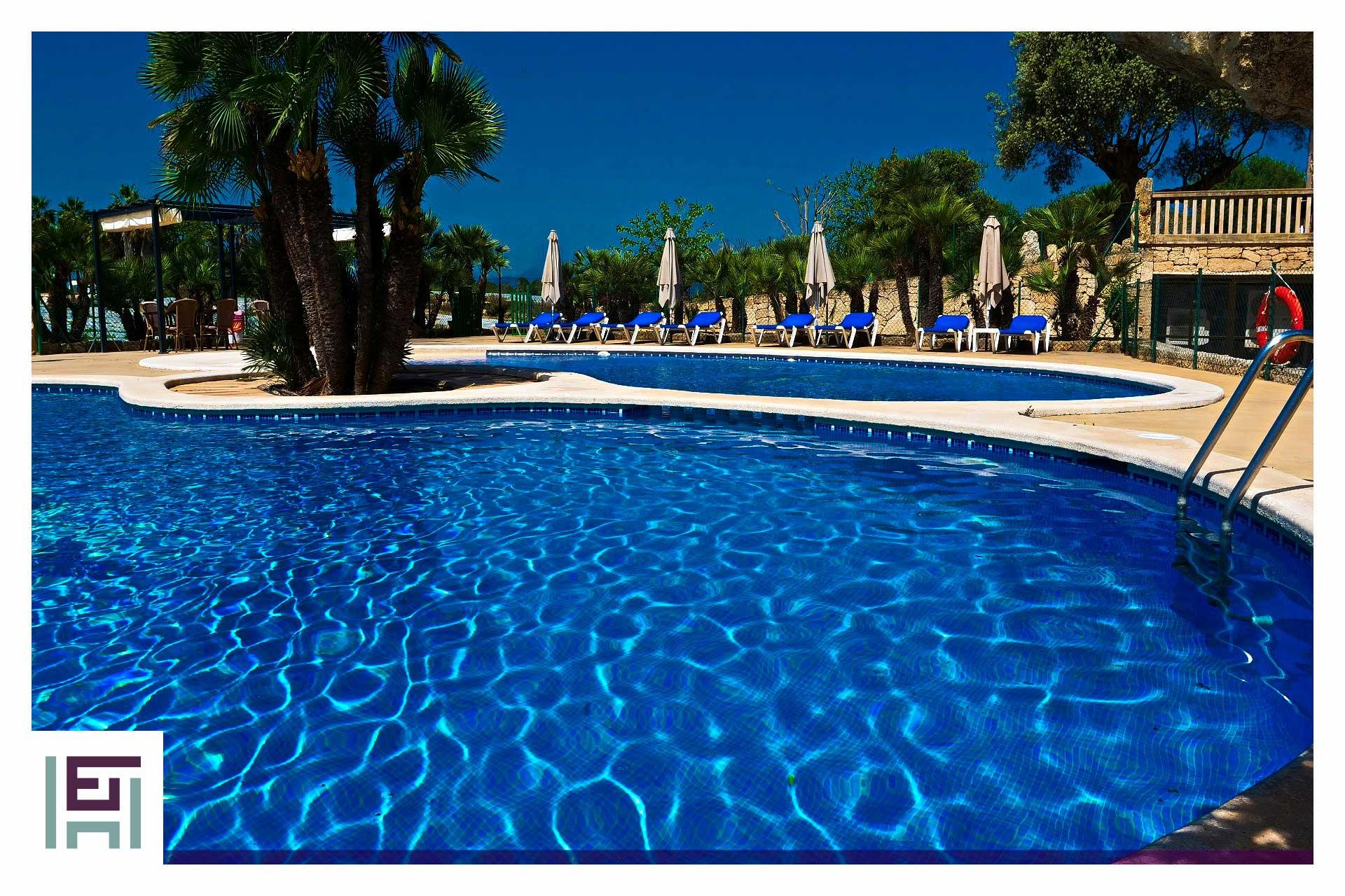 Finca Es Turó - Swimming pool
