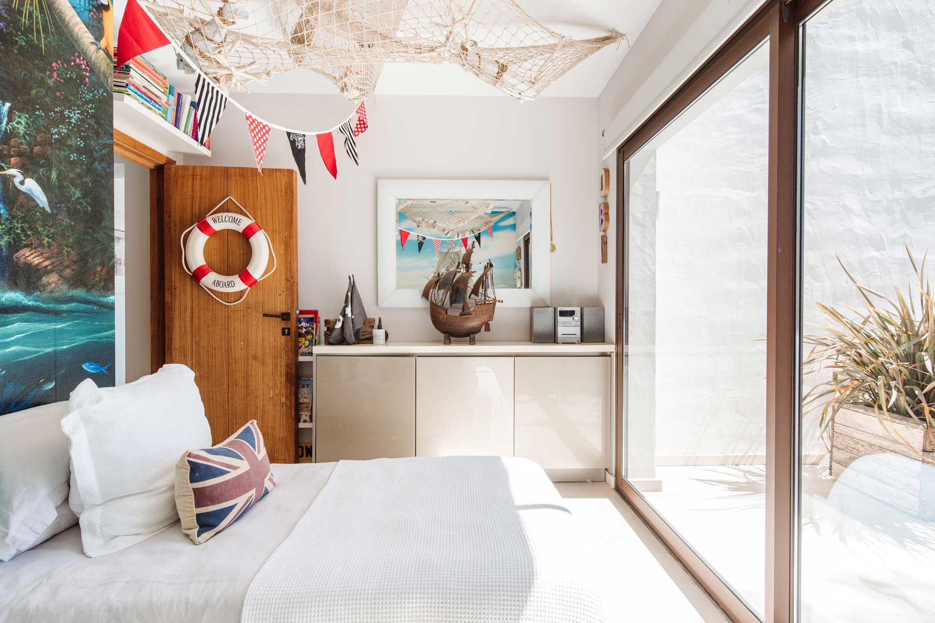 Villa Can Buu Ibiza - Children's room beside the Master Suite