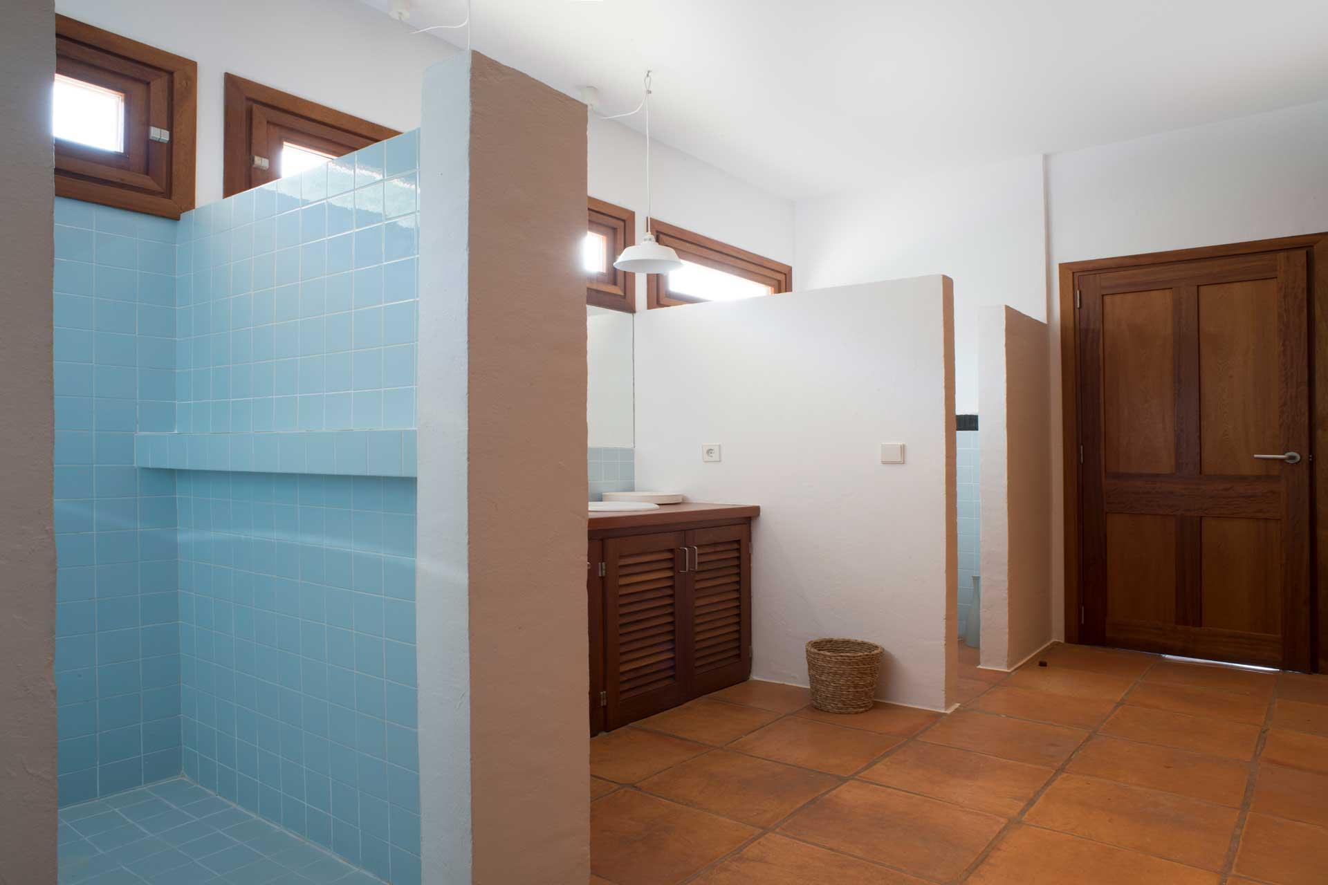Villa Poeta - Bathroom upper floor