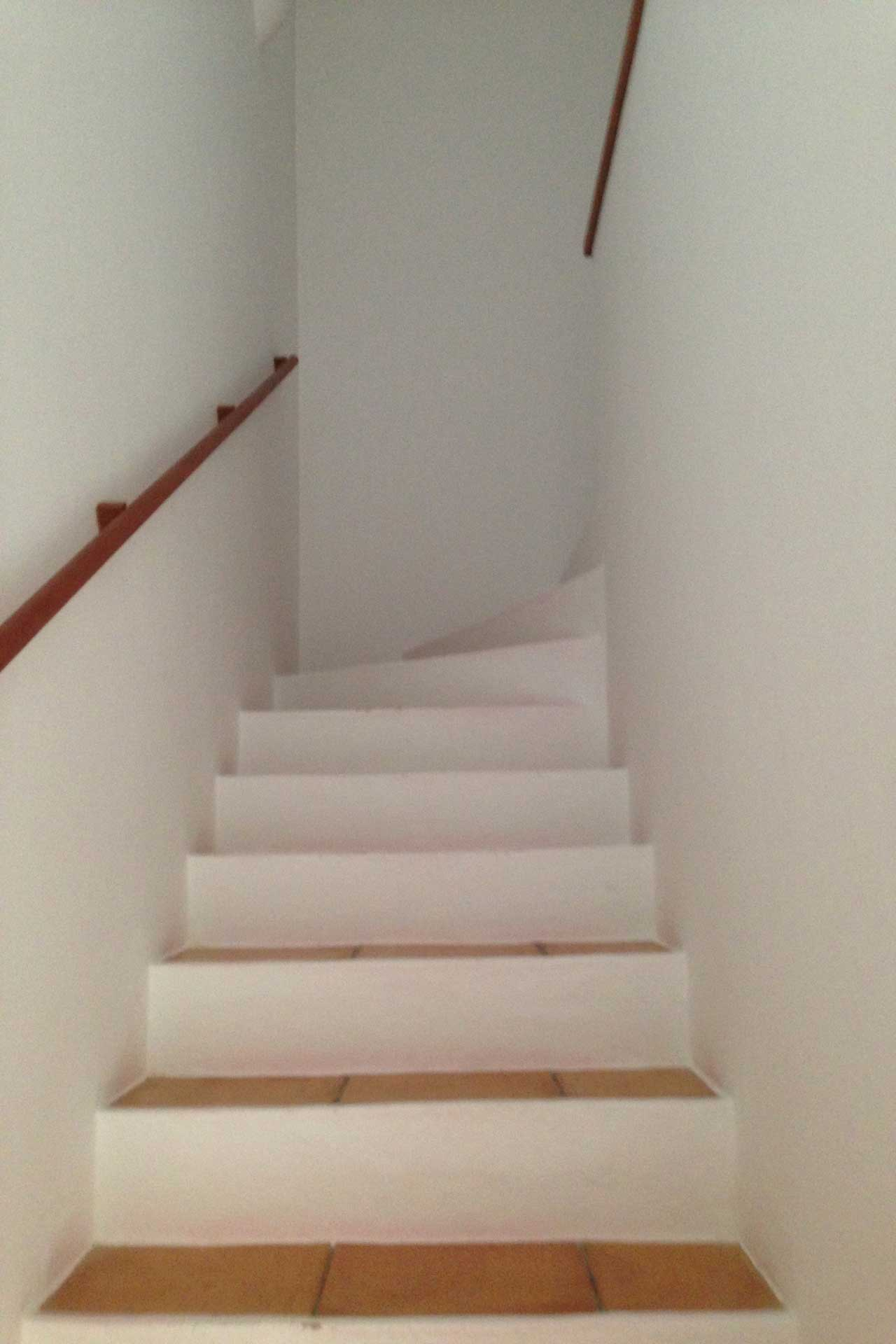 Villa Poeta - Stairway upper floor