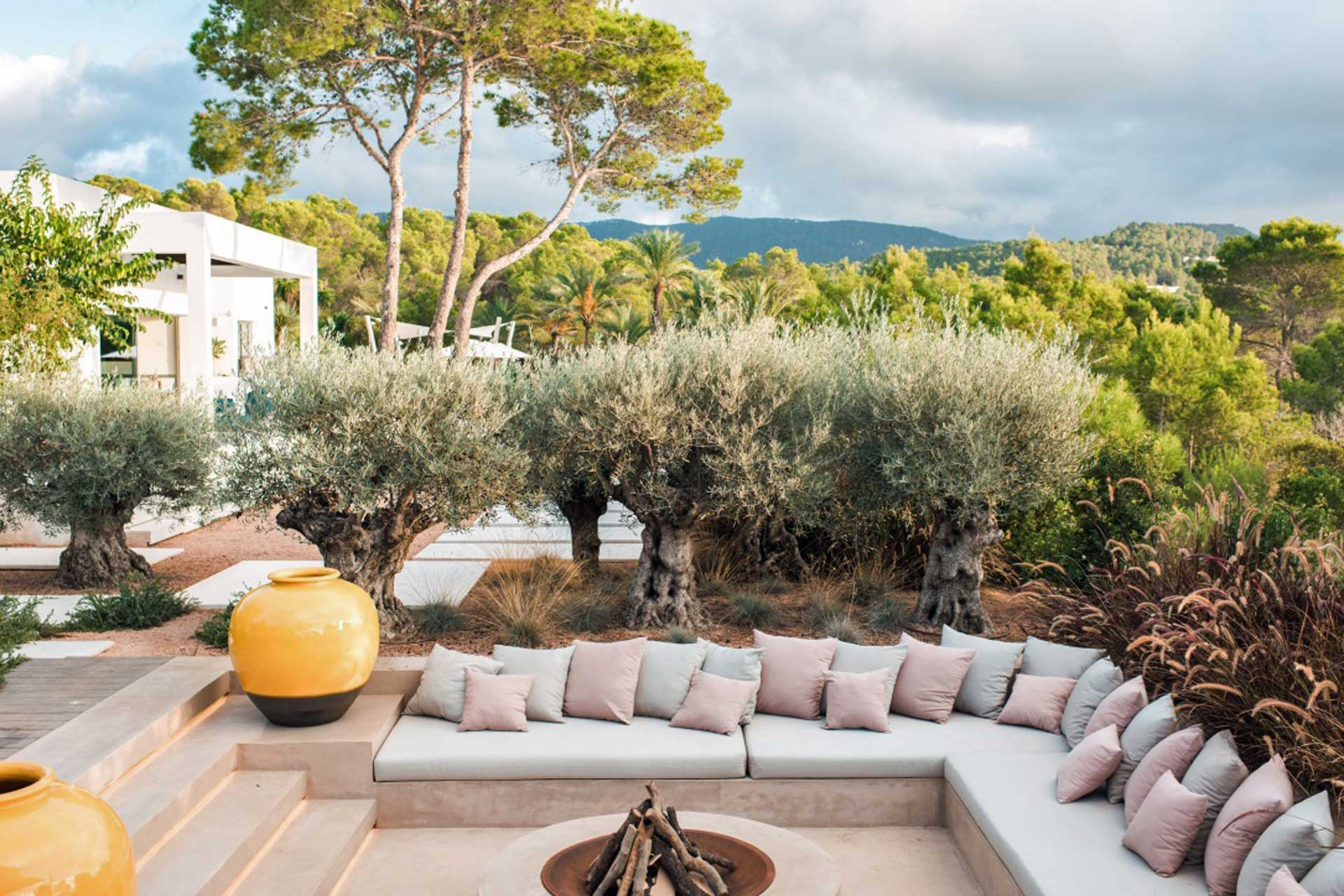 Villa CA Ibiza - Chill-out Ecke mit Feuerstelle