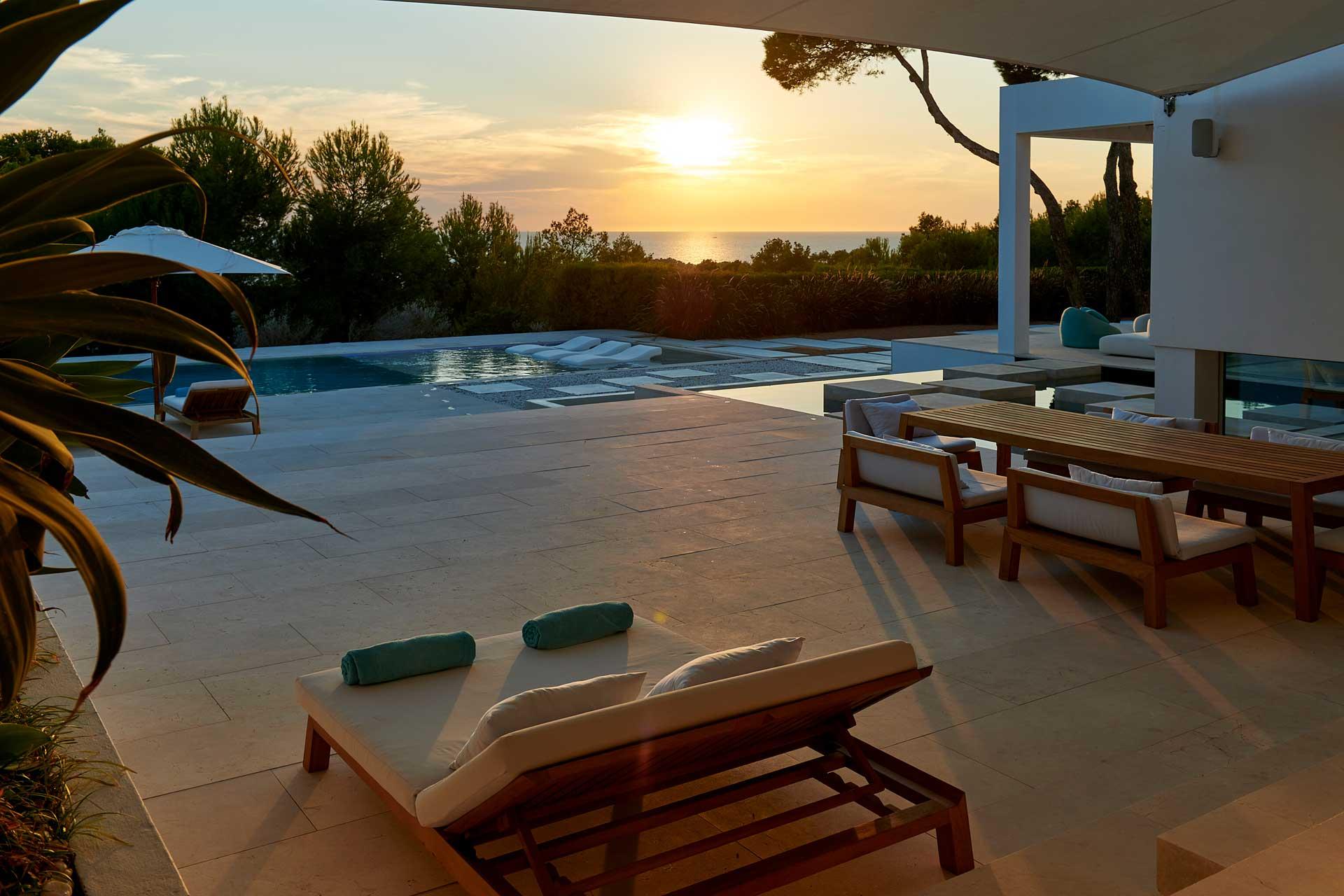 Villa CA Ibiza bei Sonnenuntergang
