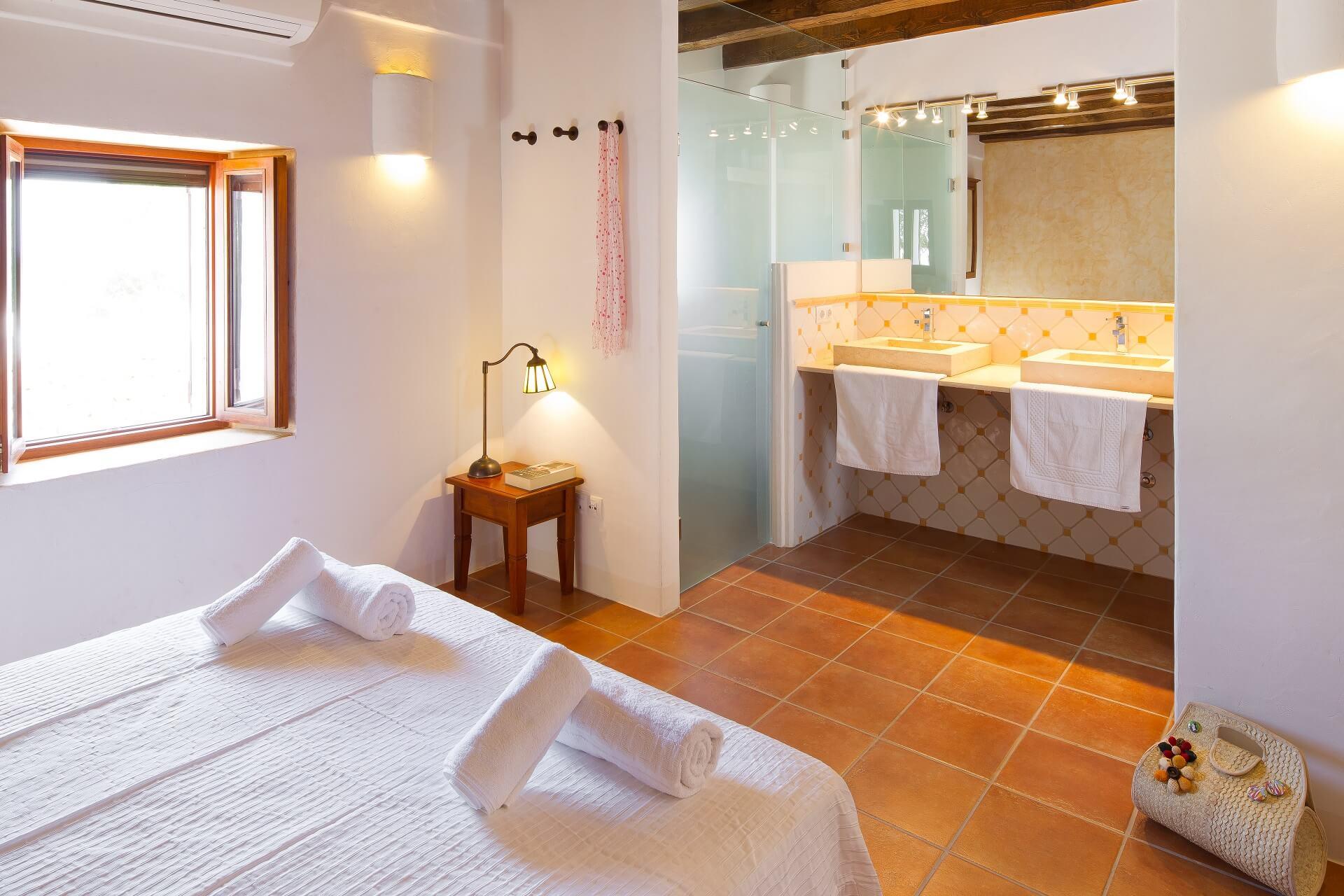 Villa CASES N1 Plus - Bedroom with bath en suite