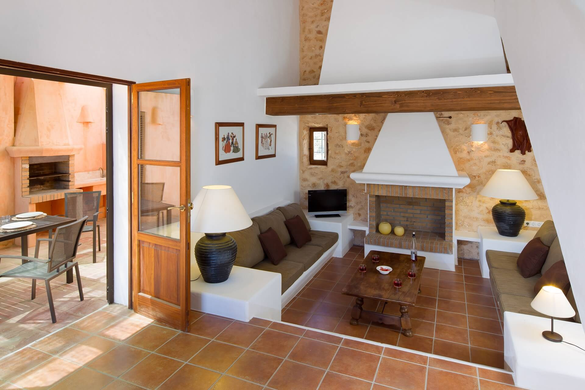 Villa CASES N3 - Living area with fireplace
