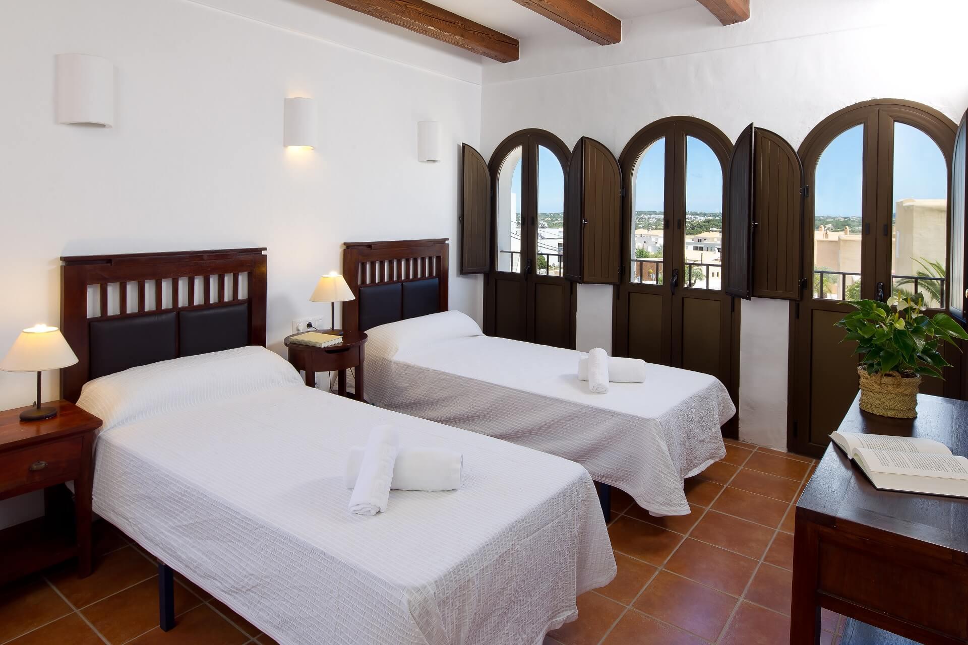 Villa CASES N3 - Bedroom with en suite bathroom